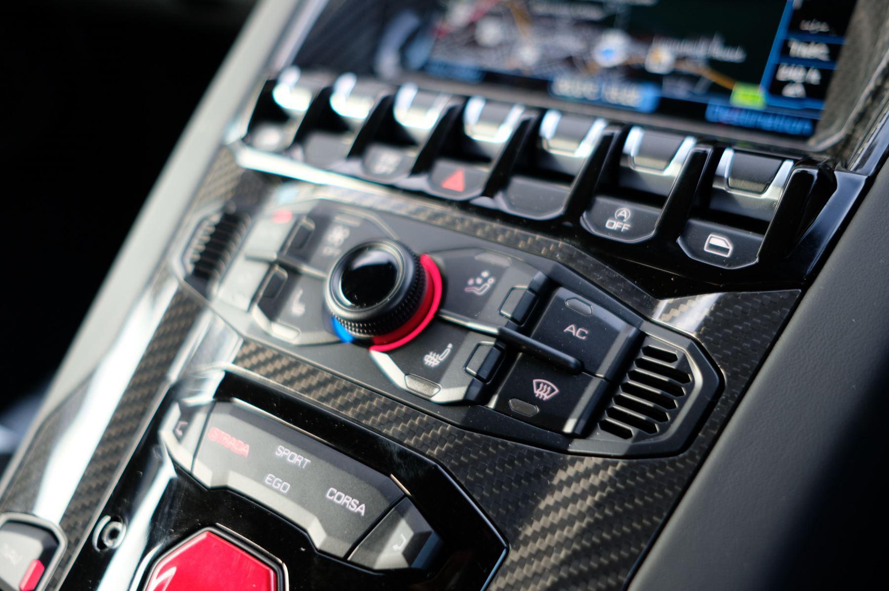 Lamborghini Aventador SVJ Coupe LP 770-4 ISR image 20