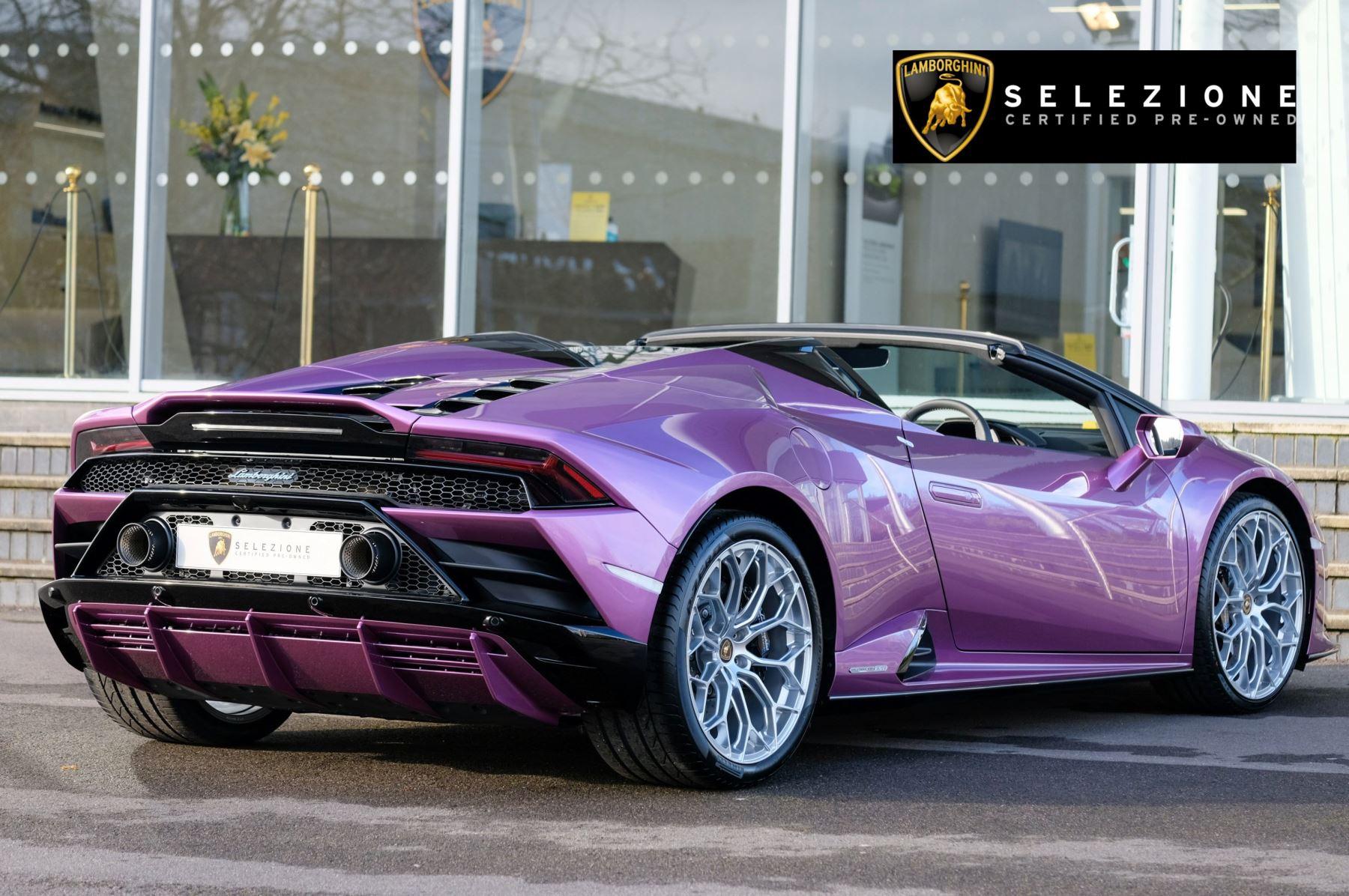 Lamborghini Huracan EVO Spyder 5.2 V10 640 2dr Auto AWD image 3