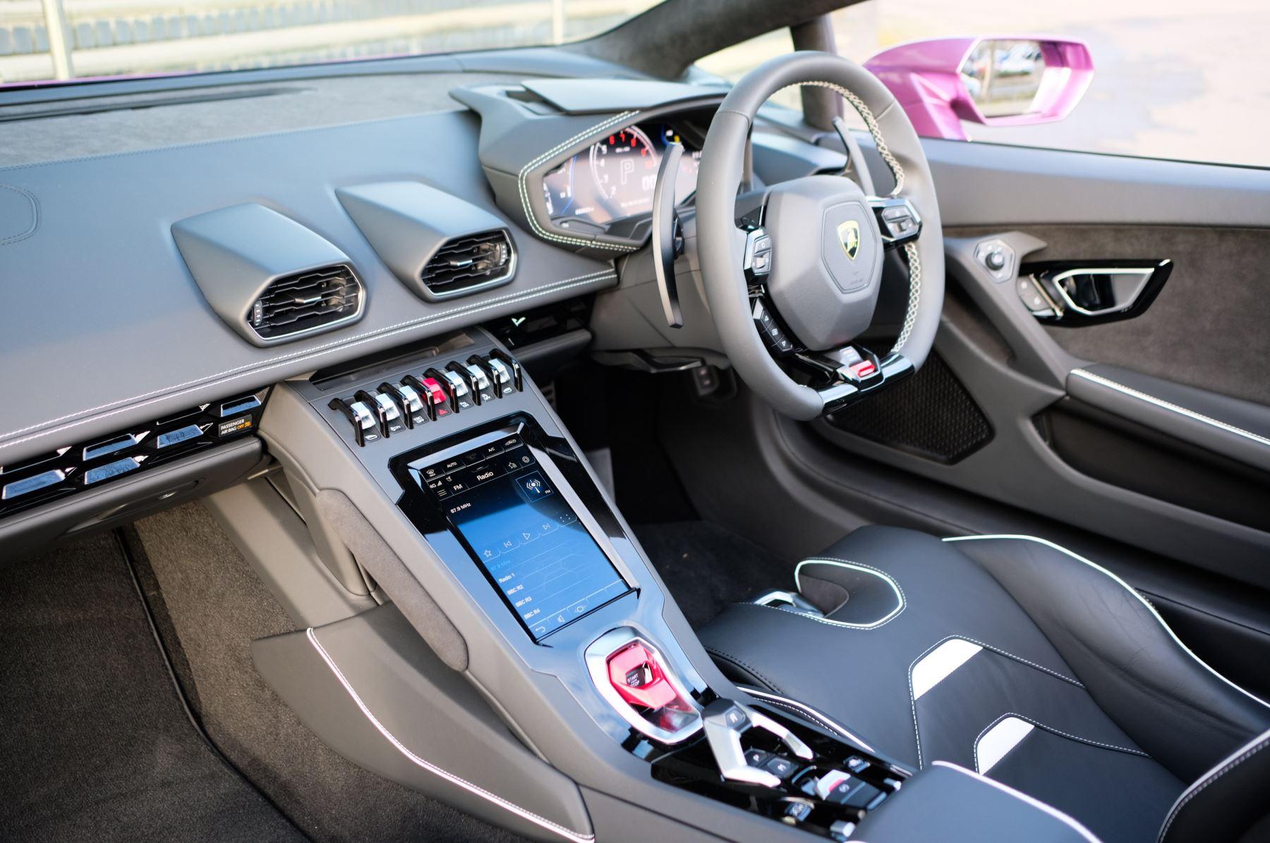 Lamborghini Huracan EVO Spyder 5.2 V10 640 2dr Auto AWD image 7