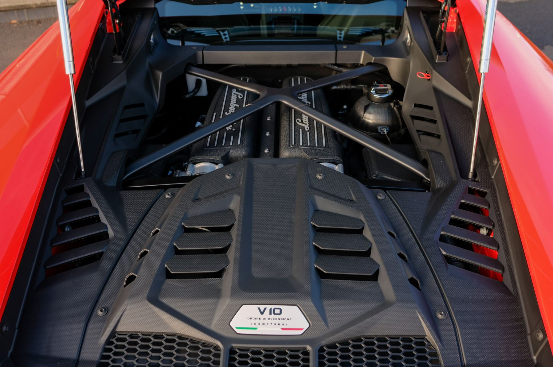 Lamborghini Huracan EVO 5.2 V10 640 2dr Auto AWD image 8