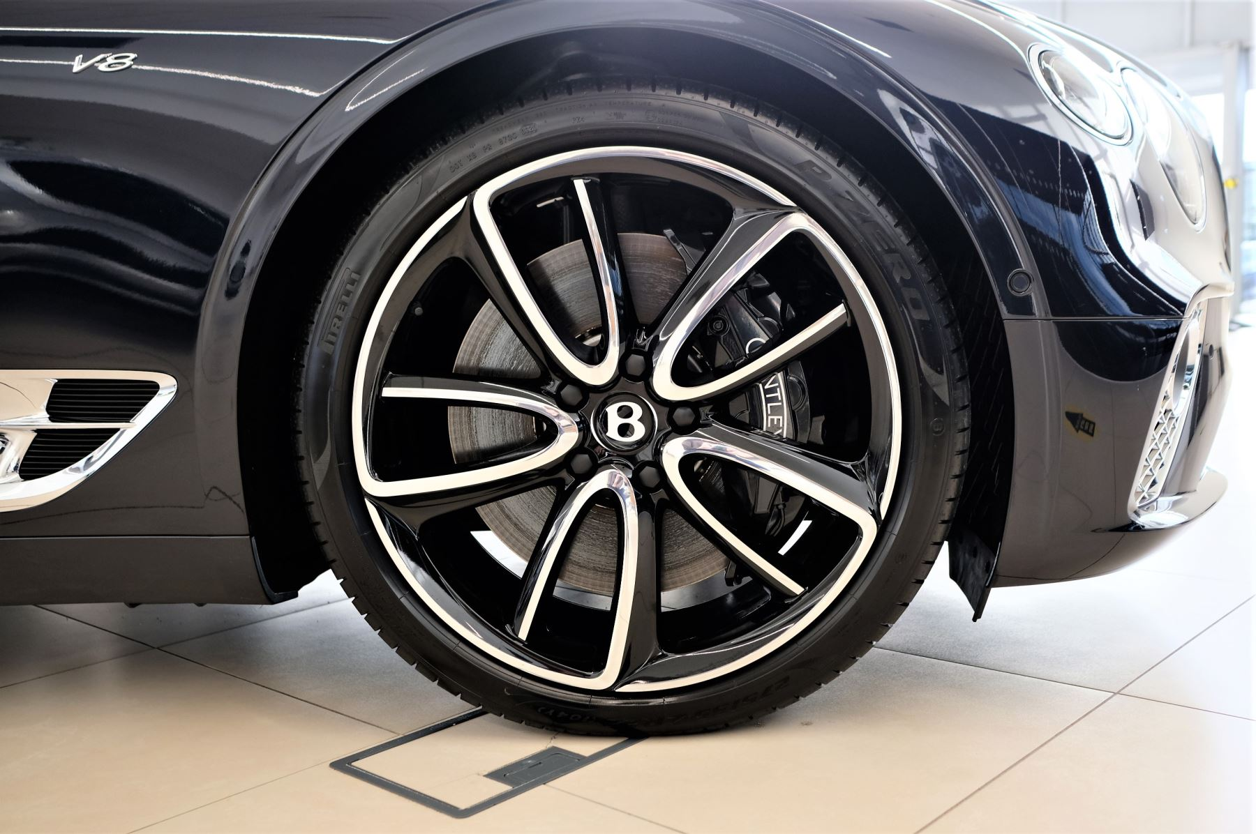 Bentley Continental GT 4.0 V8 Mulliner Edition Auto [Tour Spec] image 8