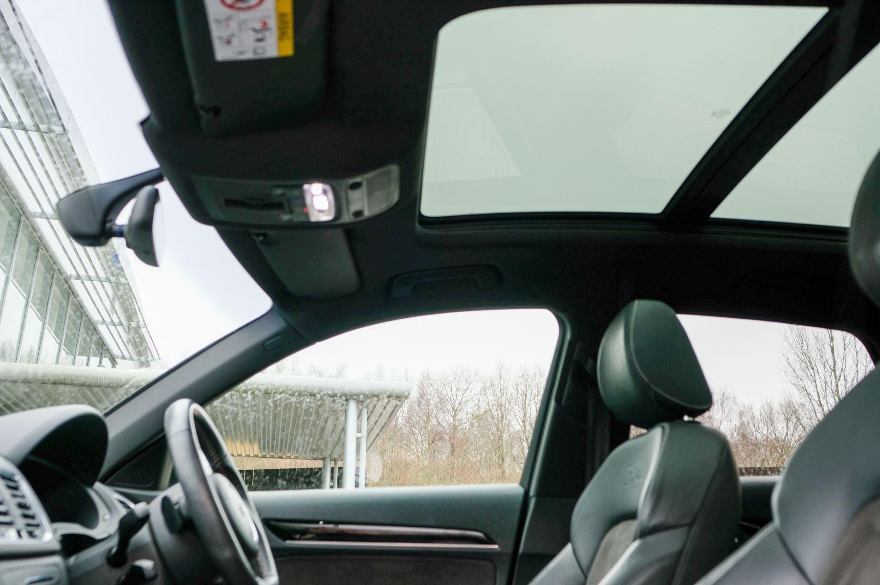 Audi Q3 2.0T FSI Quattro Black Edition 5dr S Tronic - Panoramic glass sunroof image 21