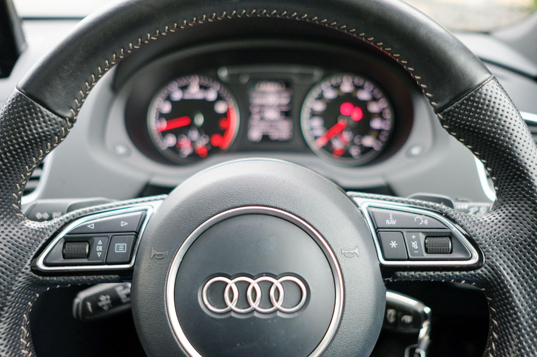 Audi Q3 2.0T FSI Quattro Black Edition 5dr S Tronic - Panoramic glass sunroof image 25