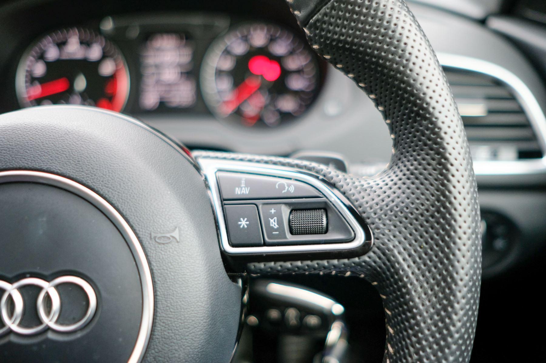 Audi Q3 2.0T FSI Quattro Black Edition 5dr S Tronic - Panoramic glass sunroof image 28