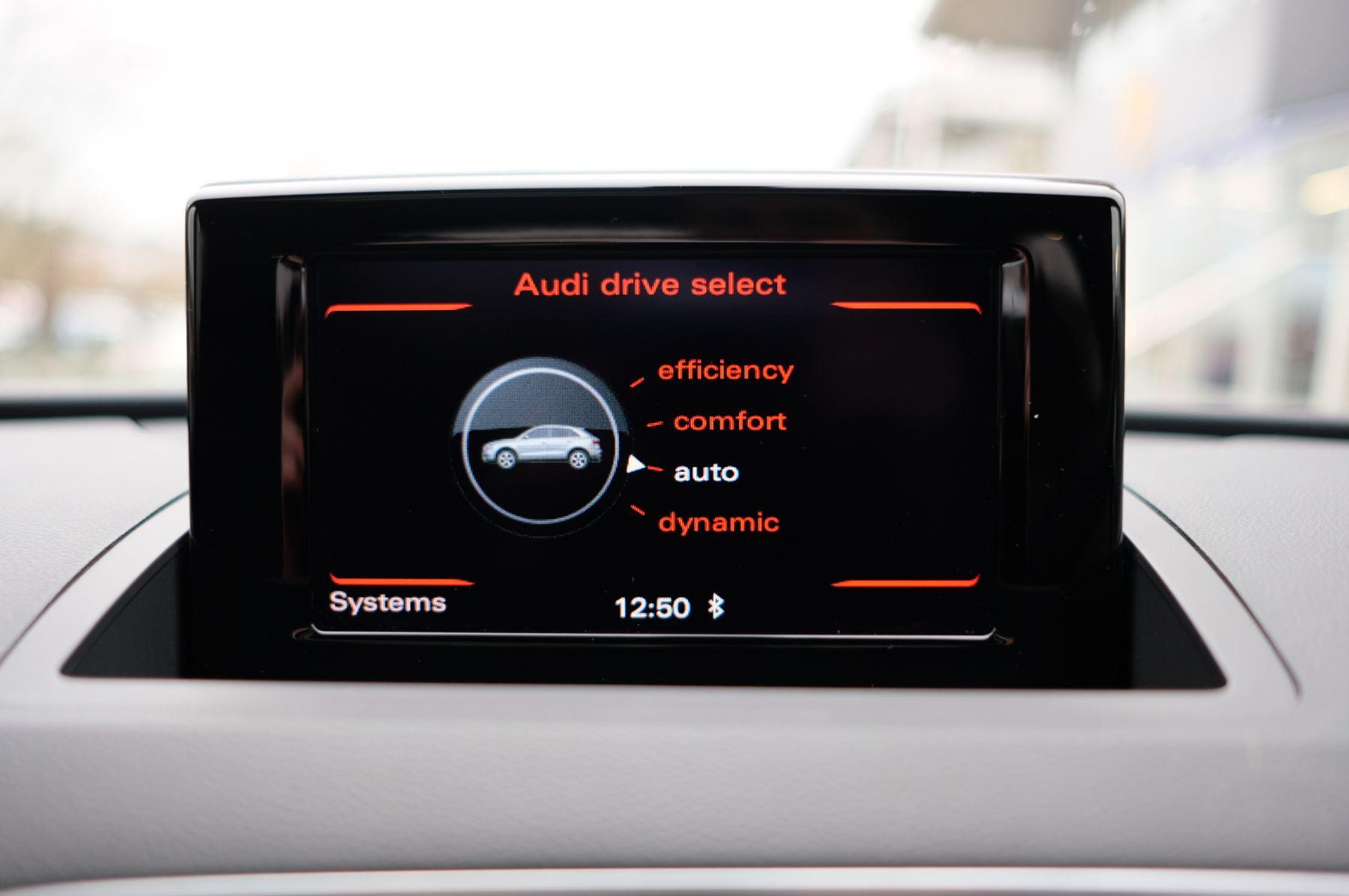 Audi Q3 2.0T FSI Quattro Black Edition 5dr S Tronic - Panoramic glass sunroof image 36