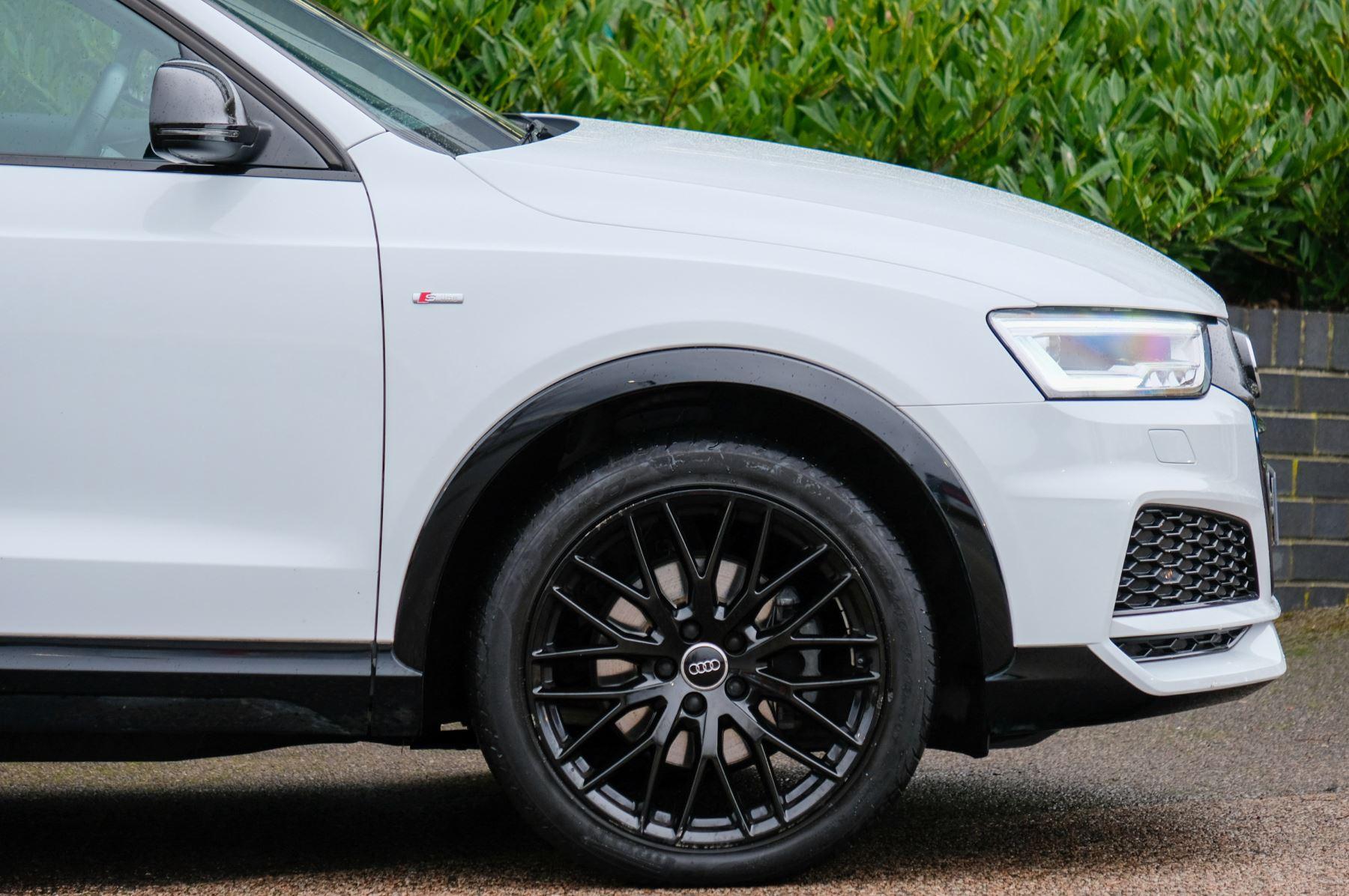 Audi Q3 2.0T FSI Quattro Black Edition 5dr S Tronic - Panoramic glass sunroof image 8