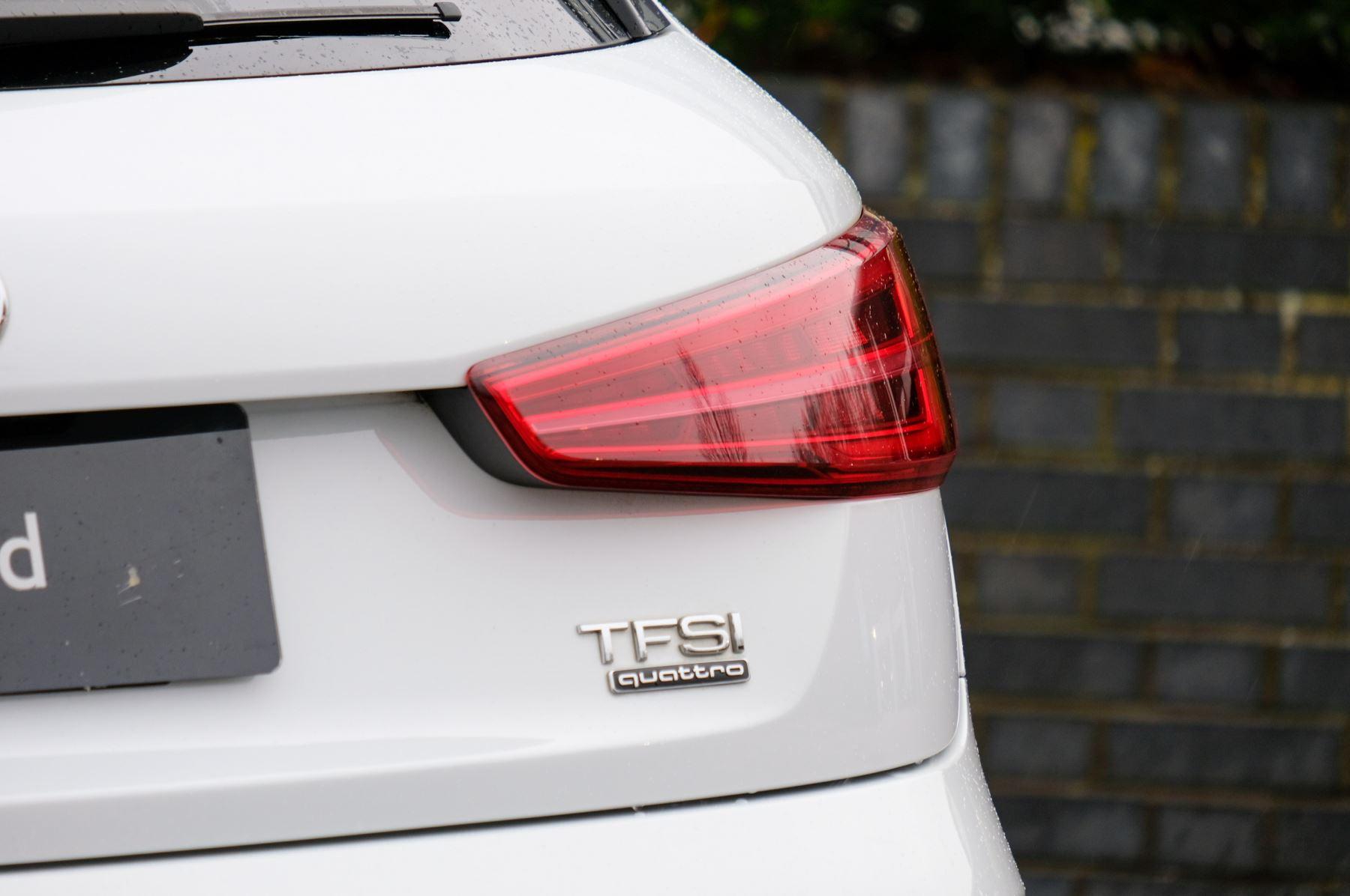 Audi Q3 2.0T FSI Quattro Black Edition 5dr S Tronic - Panoramic glass sunroof image 11