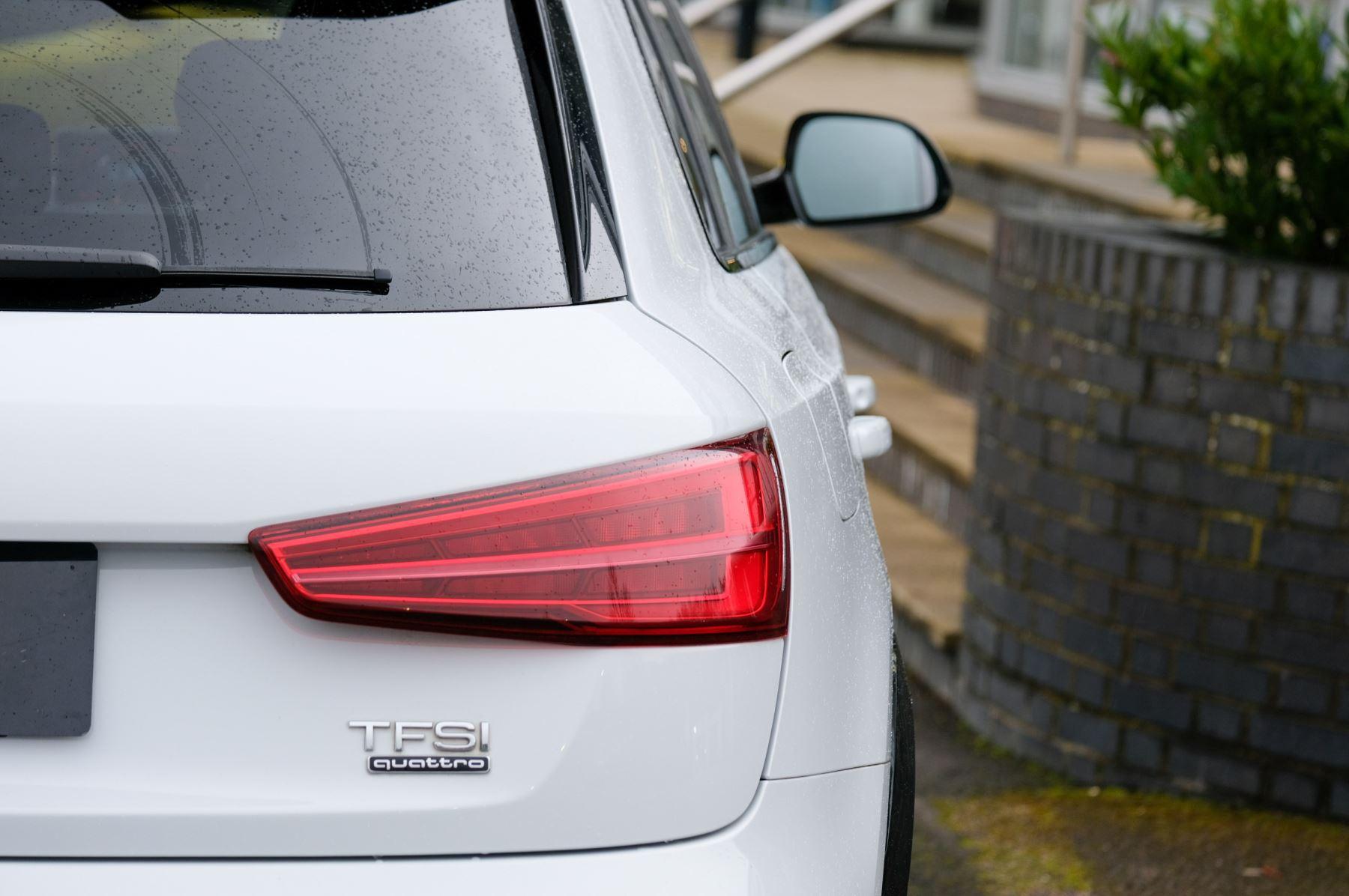 Audi Q3 2.0T FSI Quattro Black Edition 5dr S Tronic - Panoramic glass sunroof image 12
