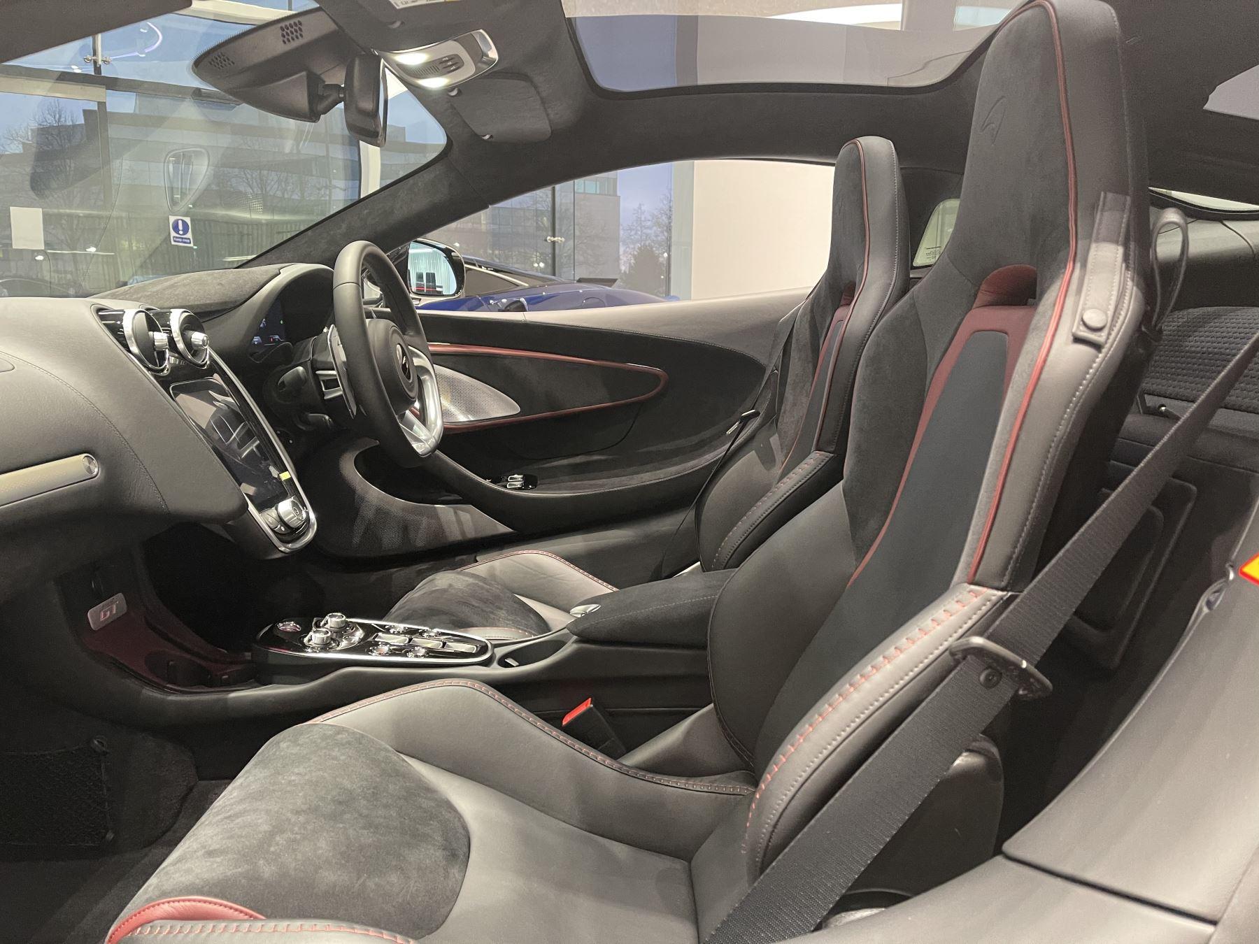 McLaren GT 4.0 V8 2dr image 21