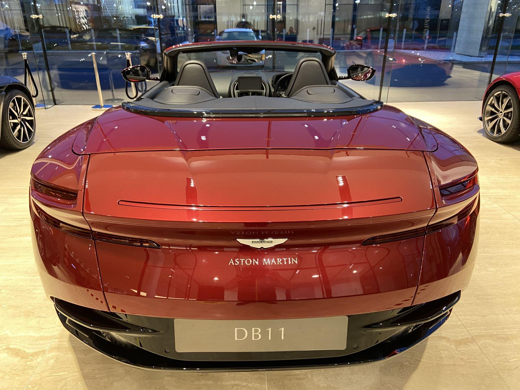 Aston Martin DB11 V8 Volante Touchtronic image 9