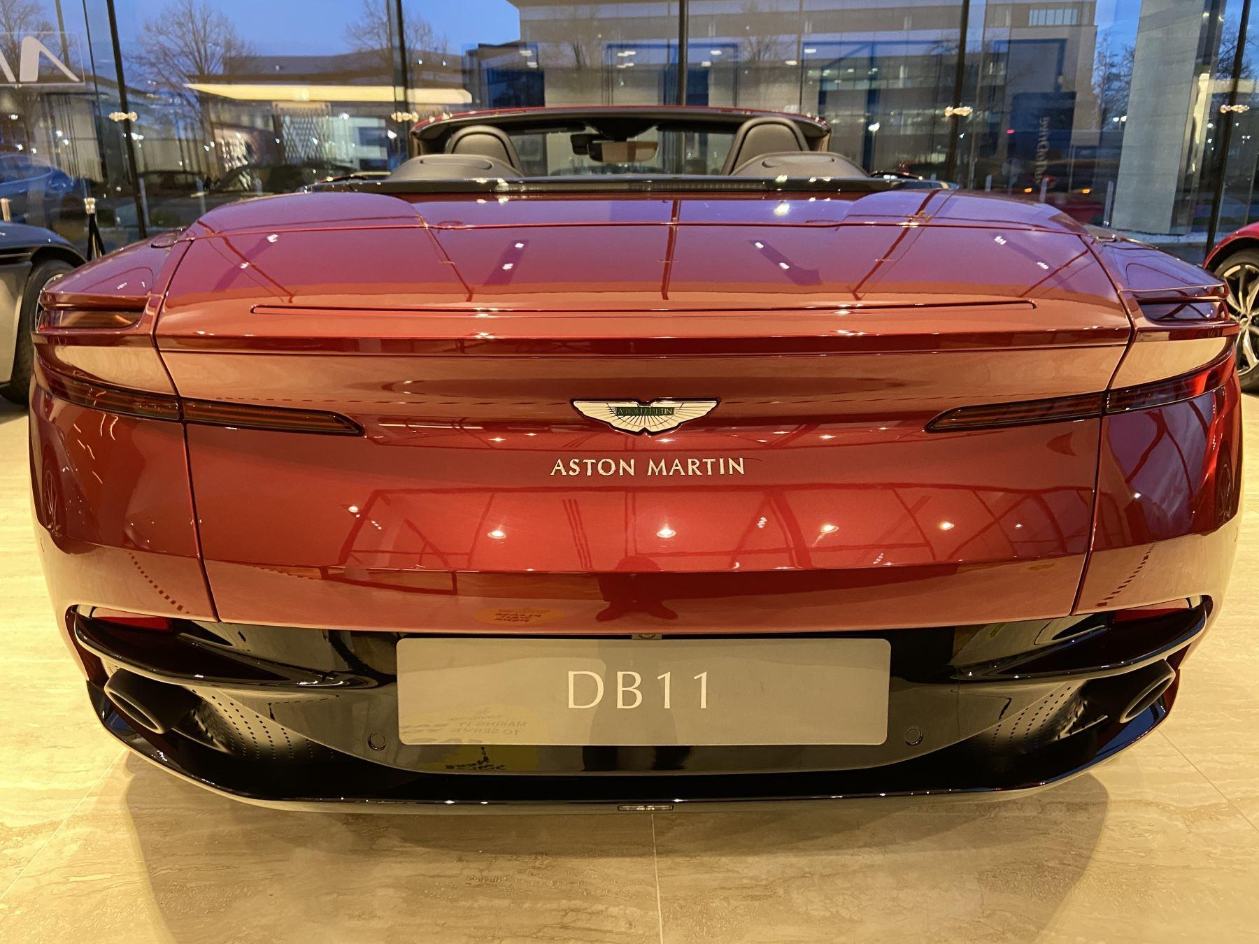 Aston Martin DB11 V8 Volante Touchtronic image 10