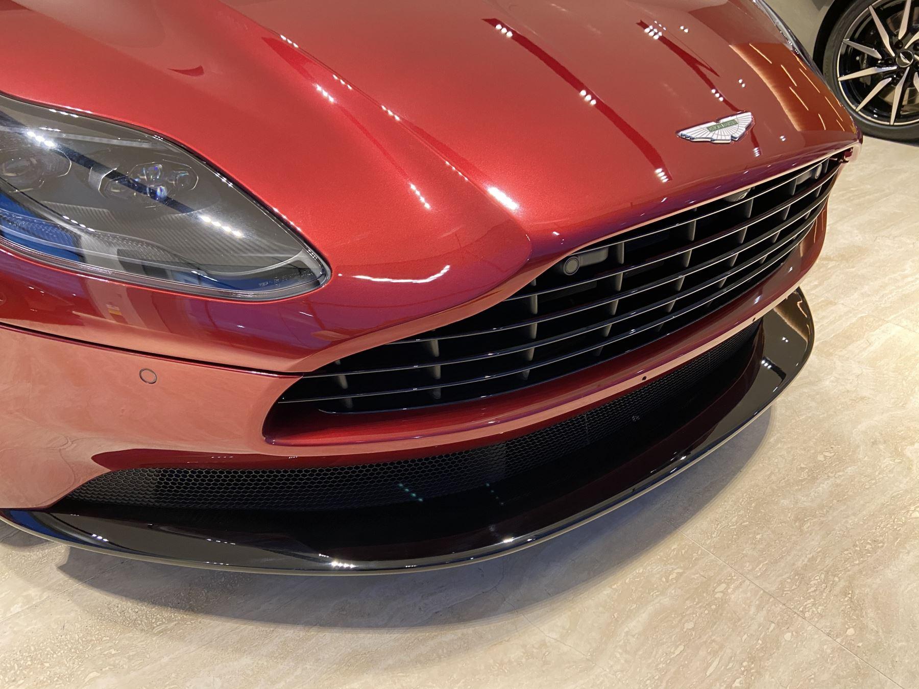 Aston Martin DB11 V8 Volante Touchtronic image 14