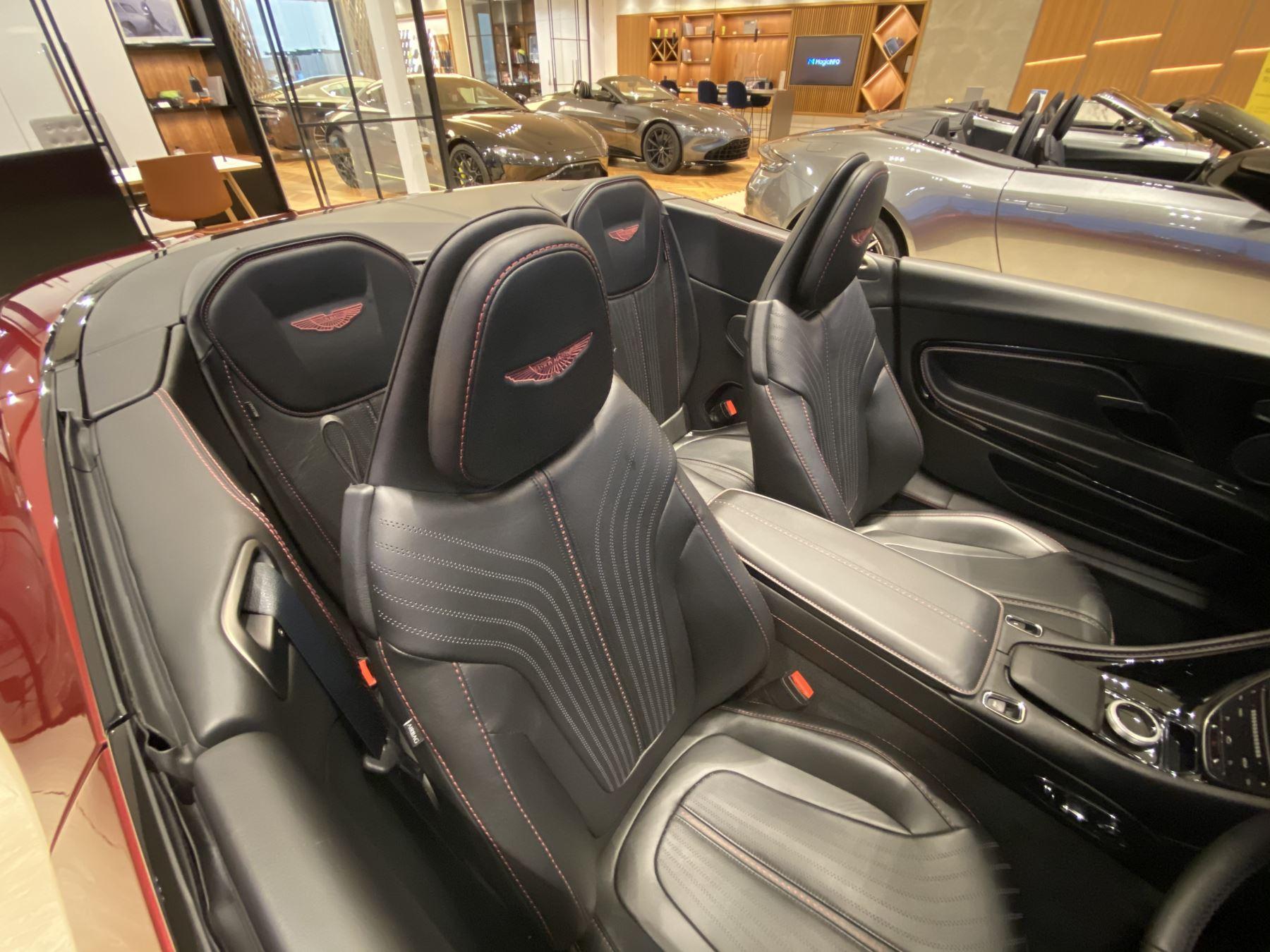 Aston Martin DB11 V8 Volante Touchtronic image 6