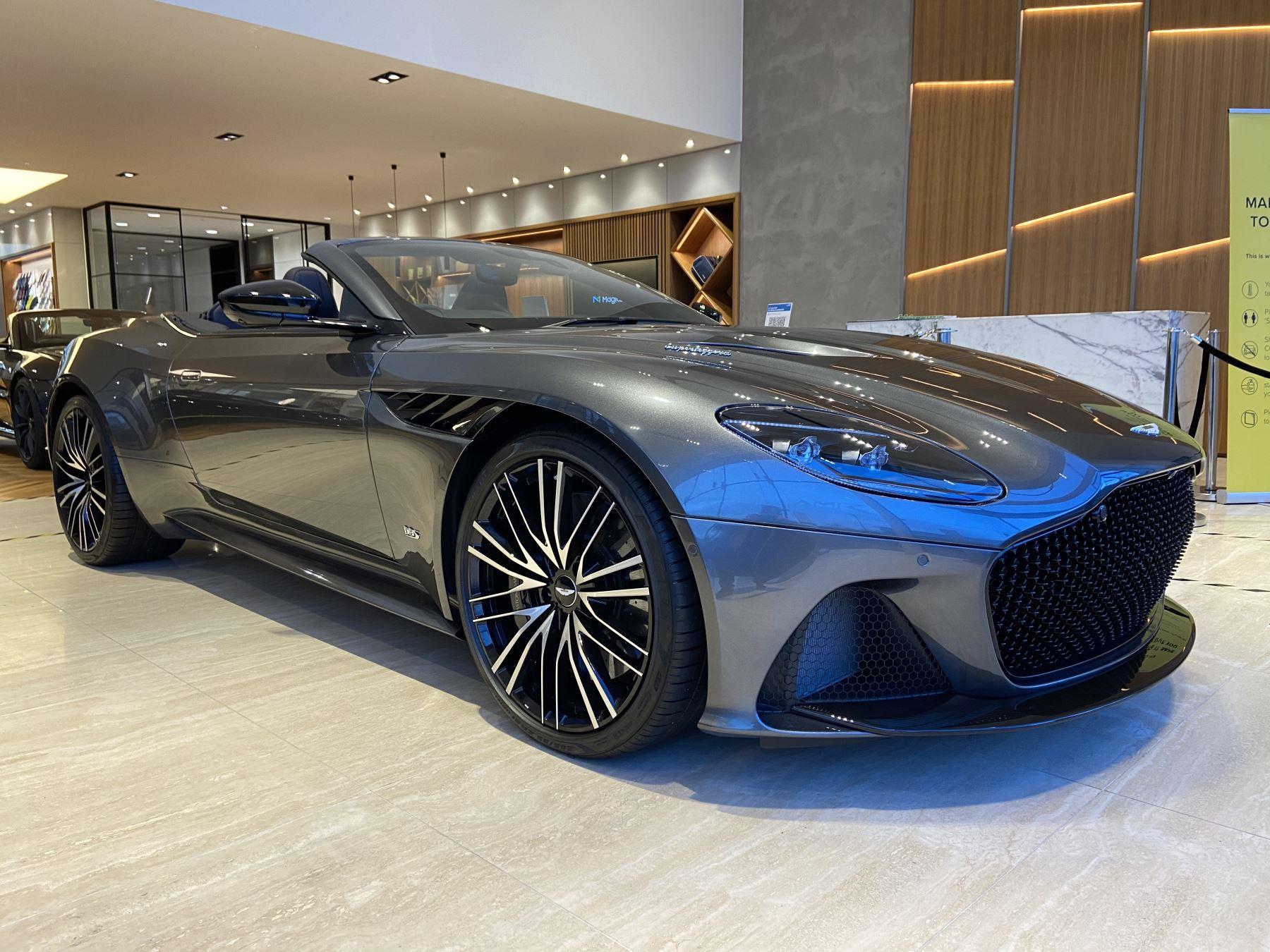 Aston Martin DBS V12 Superleggera Volante Touchtronic image 5