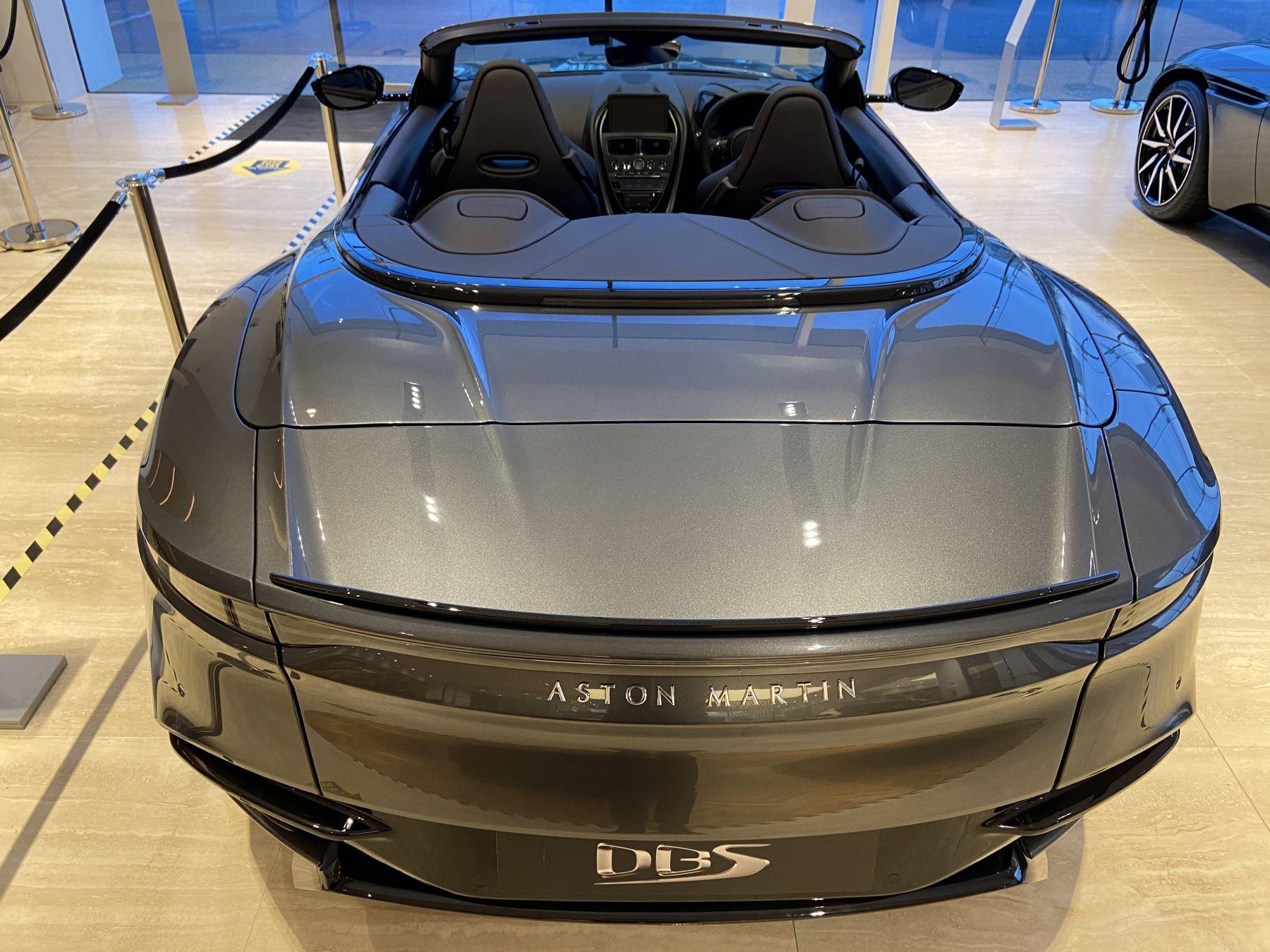 Aston Martin DBS V12 Superleggera Volante Touchtronic image 10