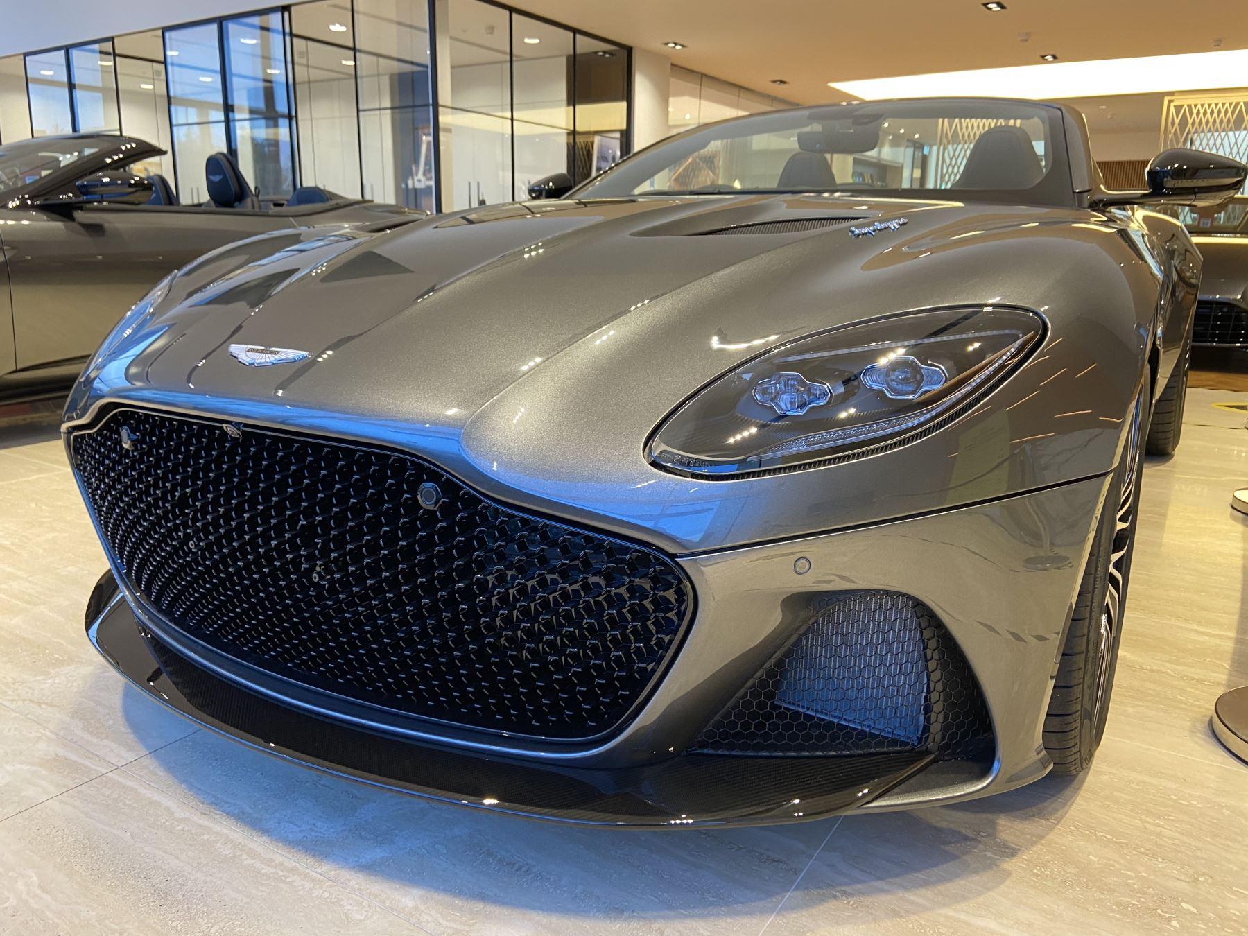 Aston Martin DBS V12 Superleggera Volante Touchtronic image 22