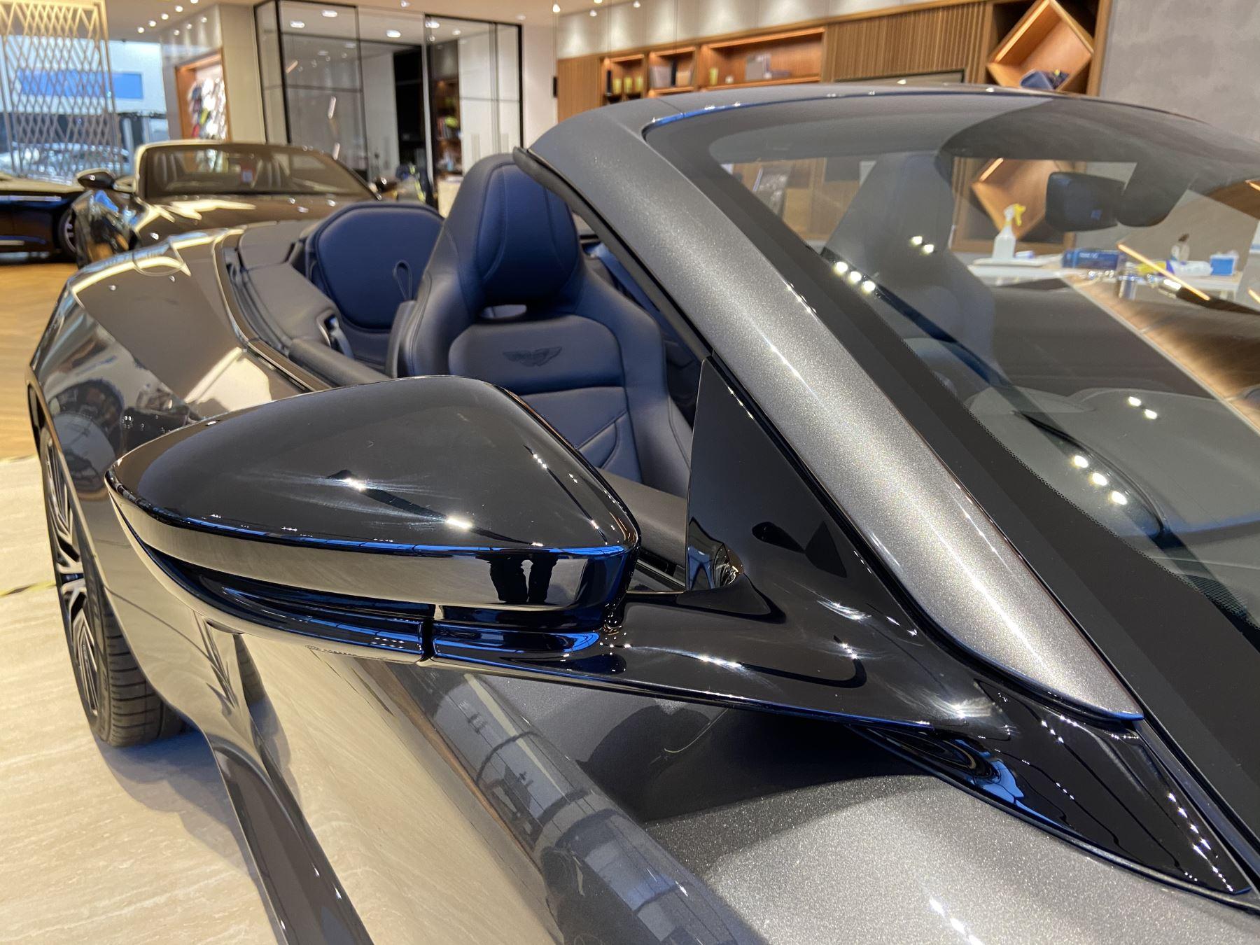 Aston Martin DBS V12 Superleggera Volante Touchtronic image 23