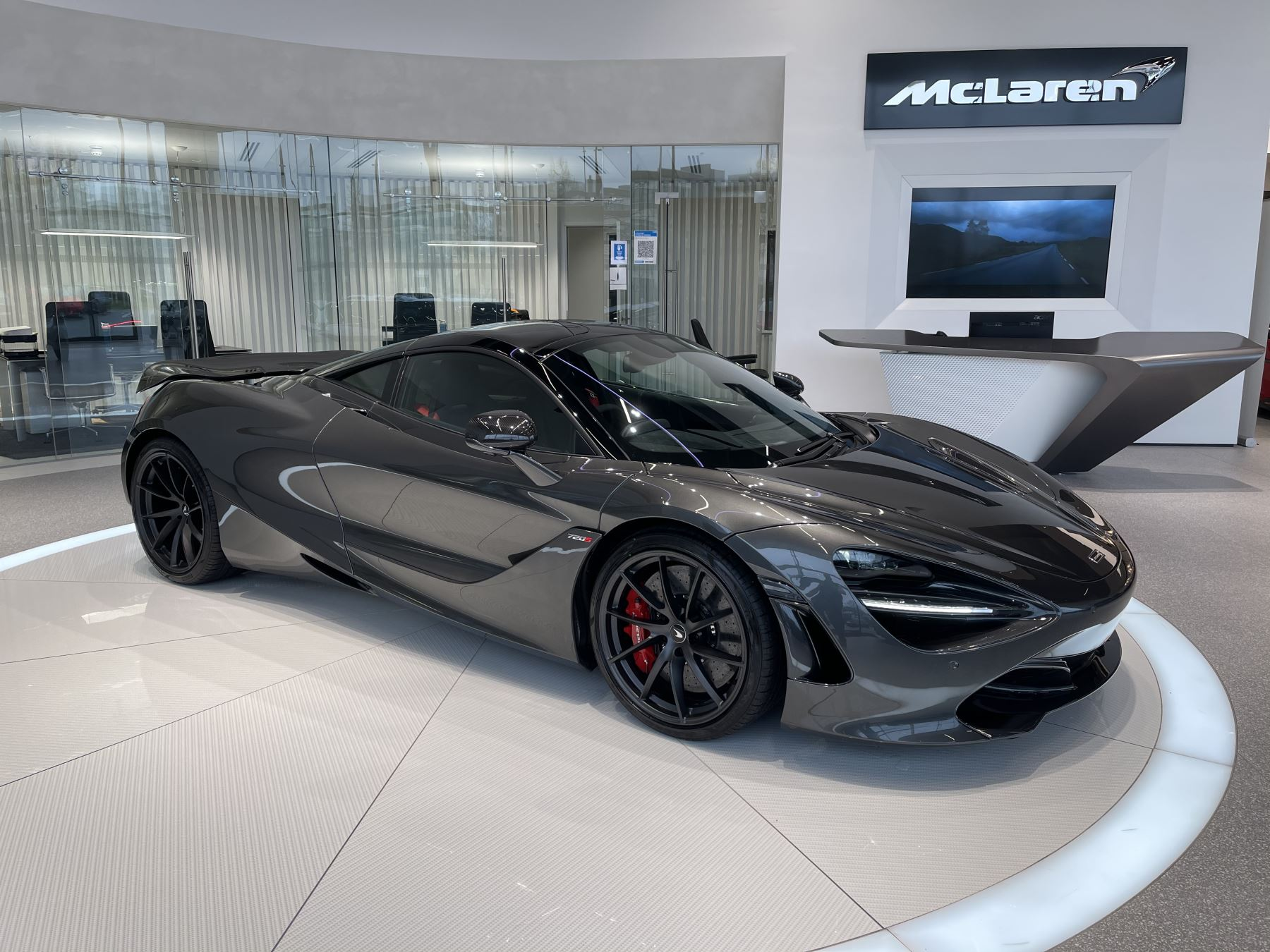 McLaren 720S 4.V8 2 DR PERFORMANCE 4.0 Automatic 2 door Coupe (2021) image