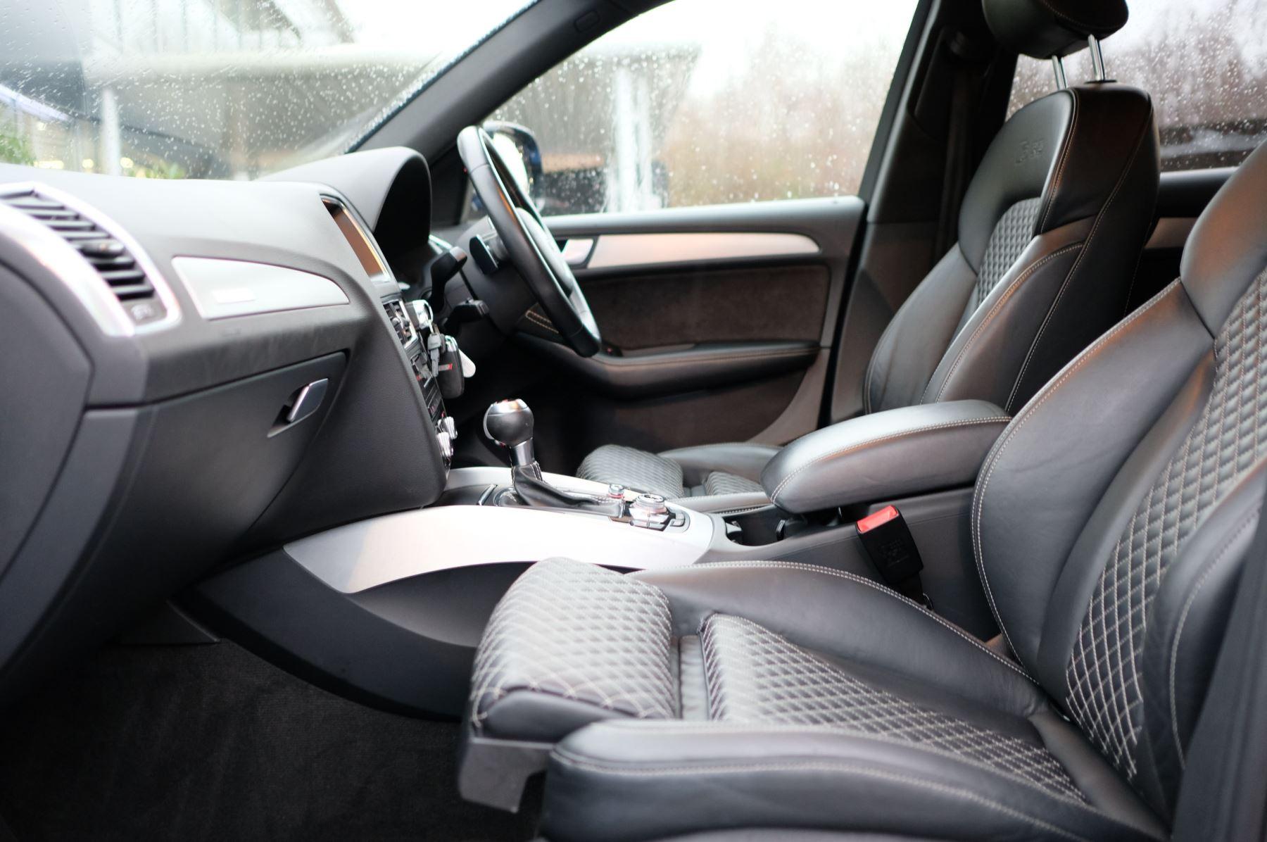 Audi Q5 SQ5 Plus Quattro 5dr Tip - Adaptive cruise control image 13