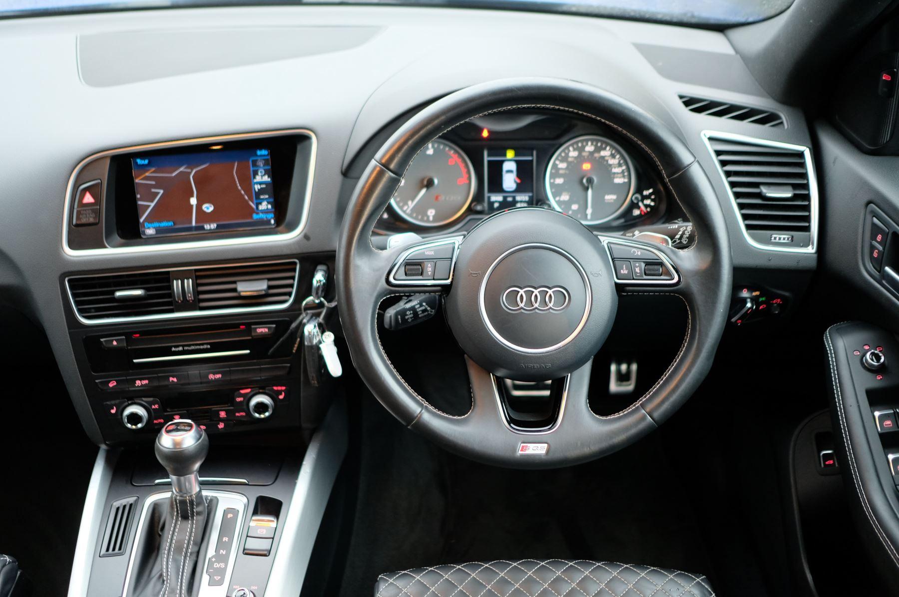 Audi Q5 SQ5 Plus Quattro 5dr Tip - Adaptive cruise control image 17