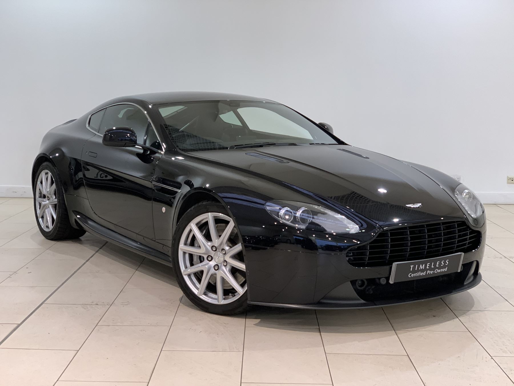 Aston Martin V8 Vantage Coupe MANUAL 2dr [420] 4.7 3 door Coupe (2015)