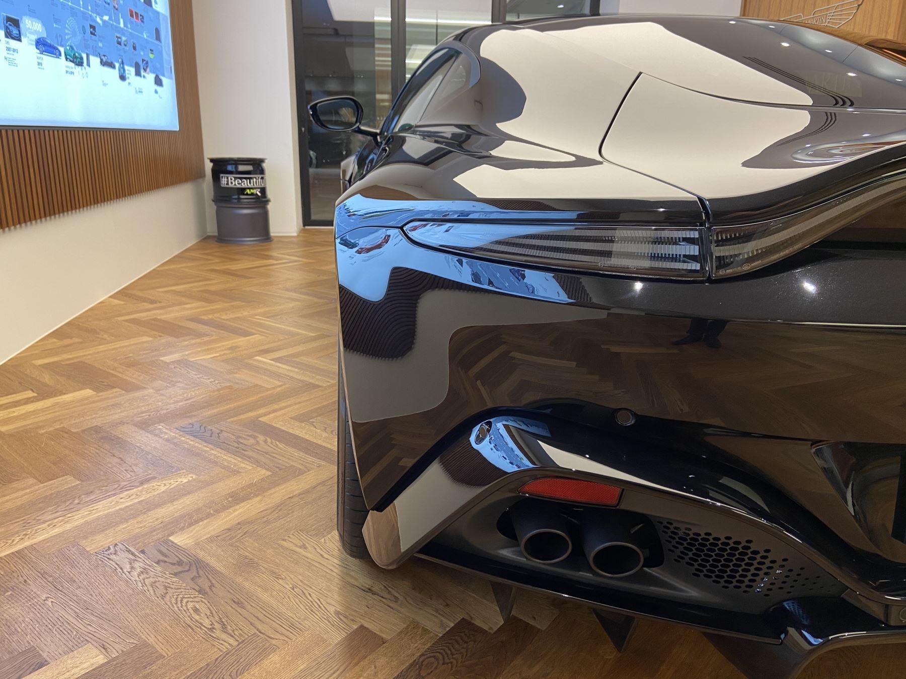 Aston Martin New Vantage AMR Hero Edition  image 10
