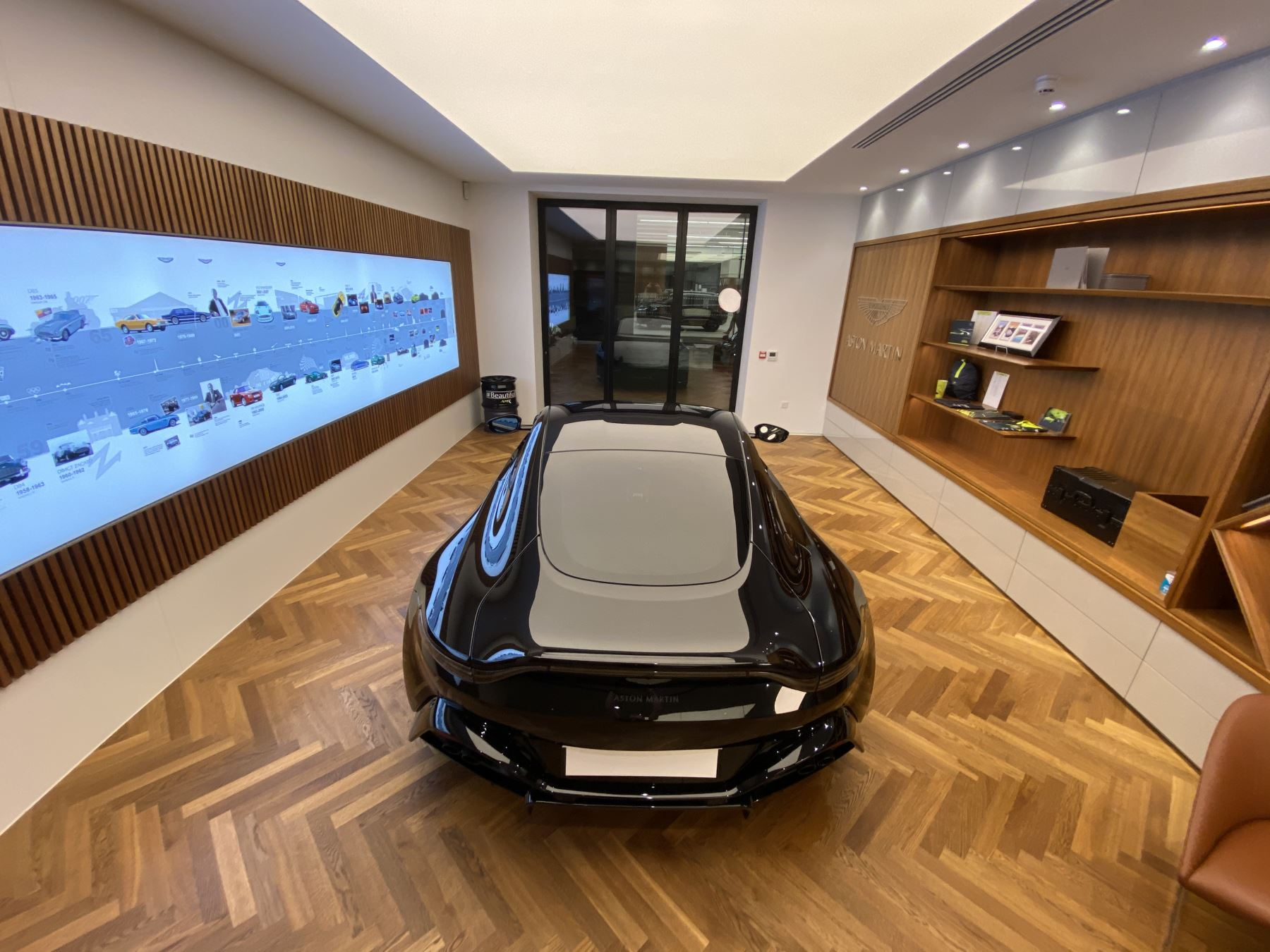 Aston Martin New Vantage AMR Hero Edition  image 18
