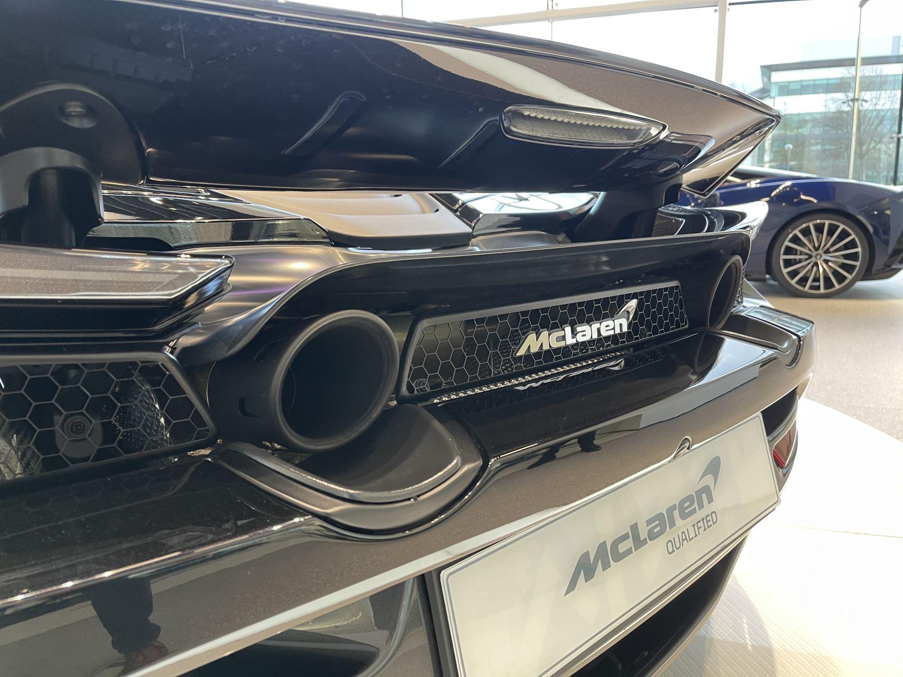 McLaren 720S Spider 4.V8 2 DR PERFORMANCE image 8