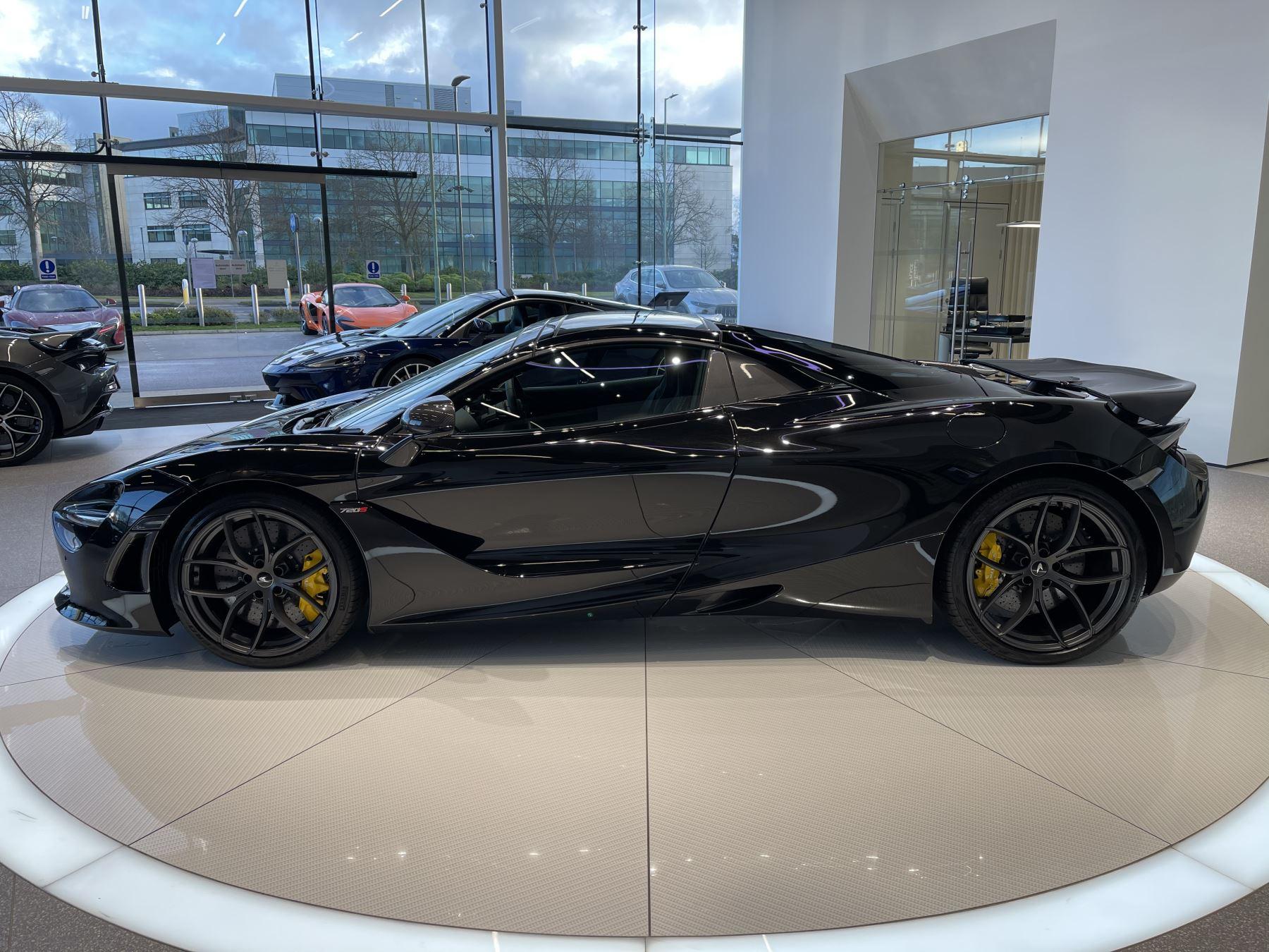 McLaren 720S Spider 4.V8 2 DR PERFORMANCE image 10
