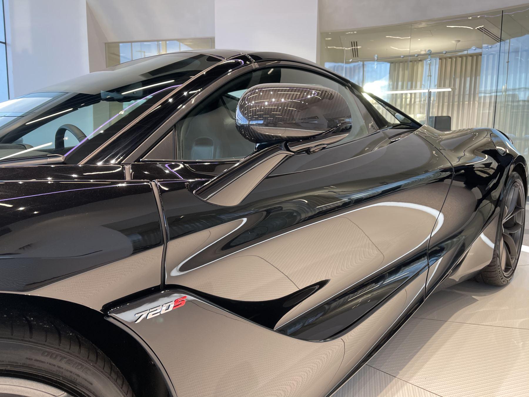 McLaren 720S Spider 4.V8 2 DR PERFORMANCE image 11