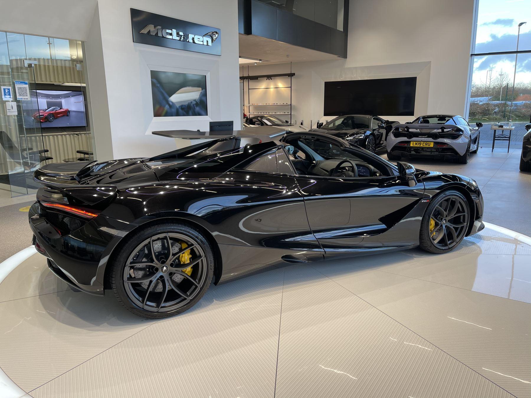 McLaren 720S Spider 4.V8 2 DR PERFORMANCE image 16