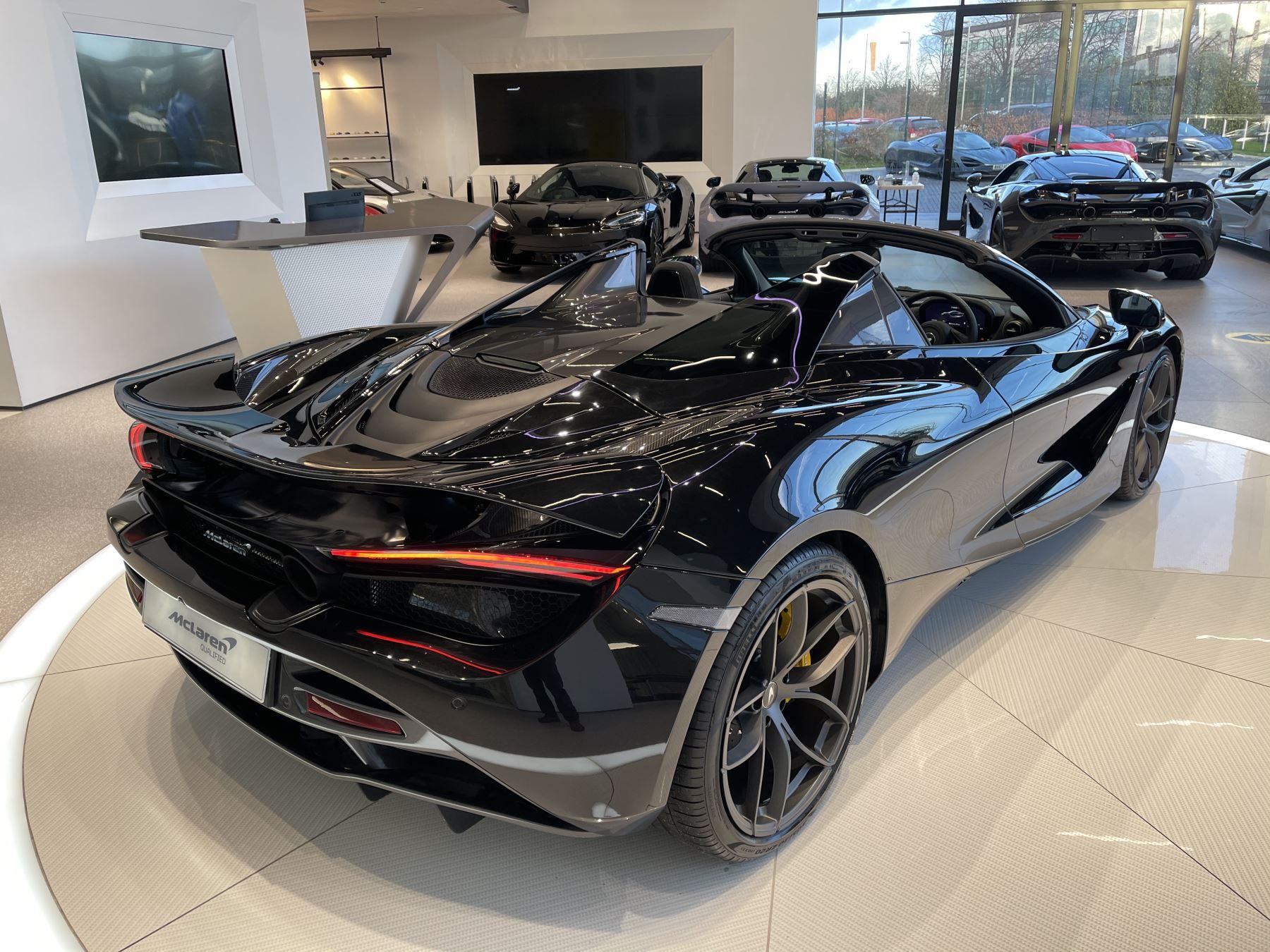 McLaren 720S Spider 4.V8 2 DR PERFORMANCE image 17
