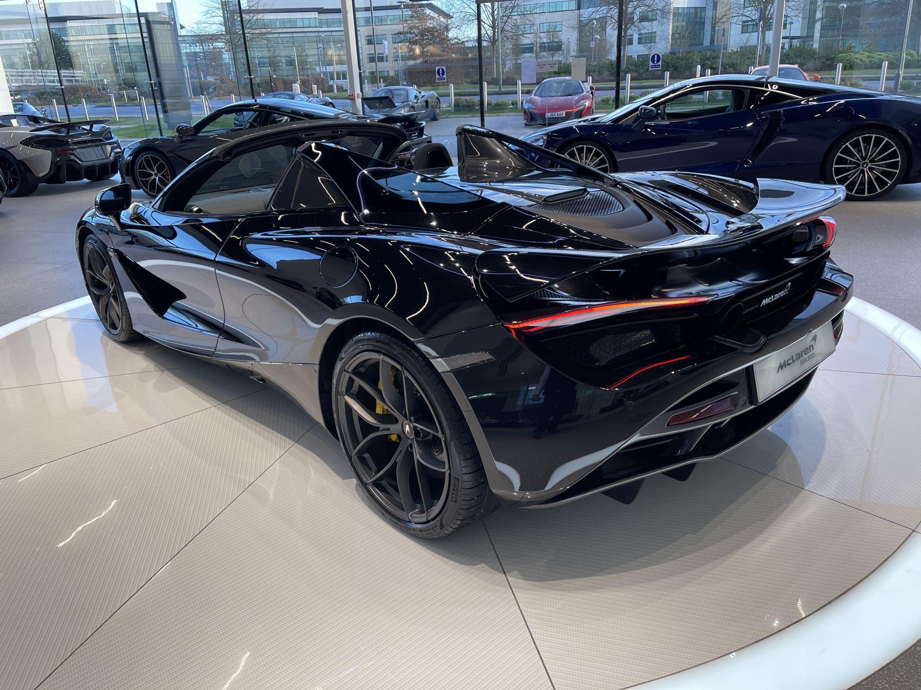 McLaren 720S Spider 4.V8 2 DR PERFORMANCE image 19