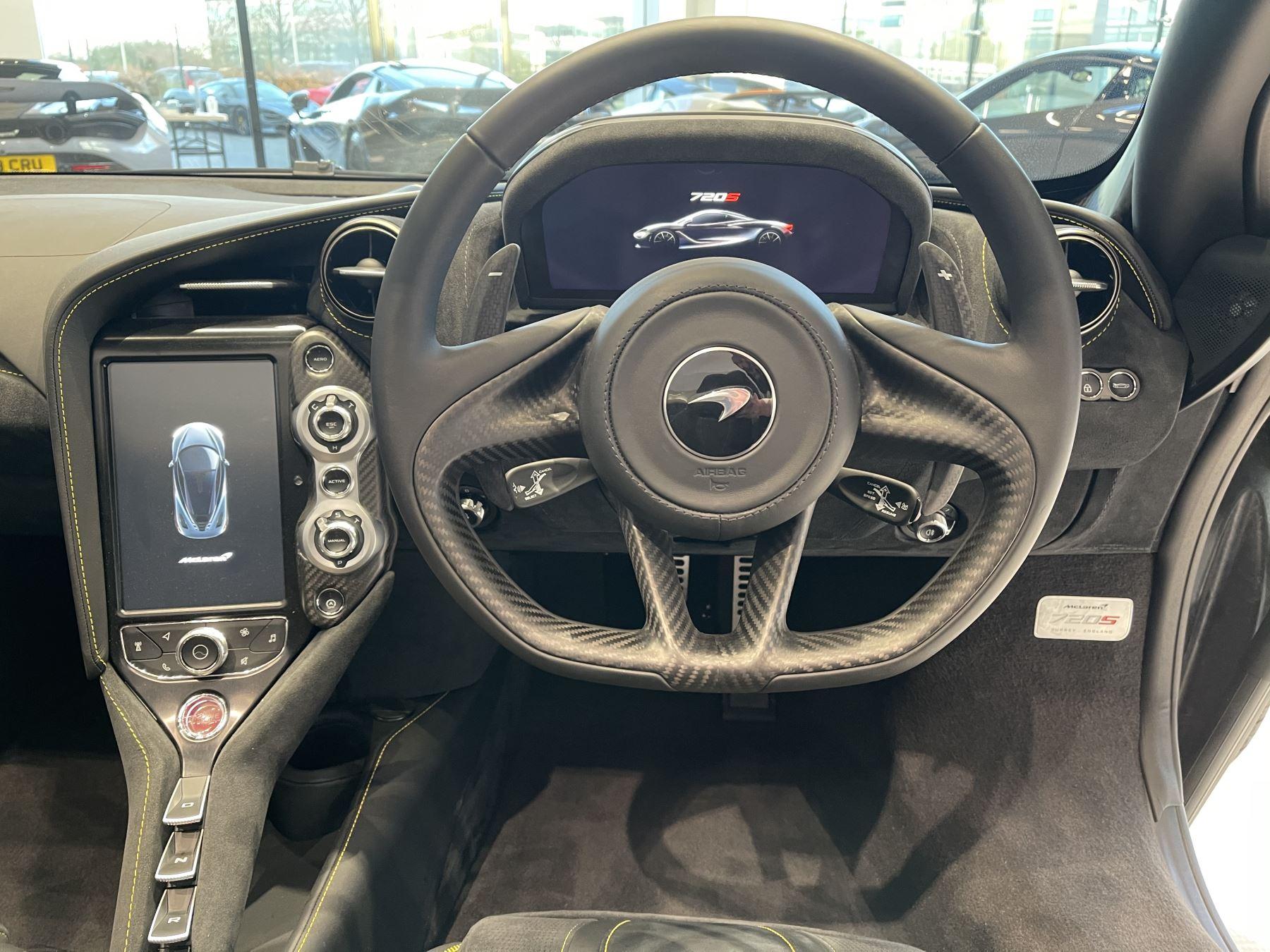 McLaren 720S Spider 4.V8 2 DR PERFORMANCE image 24