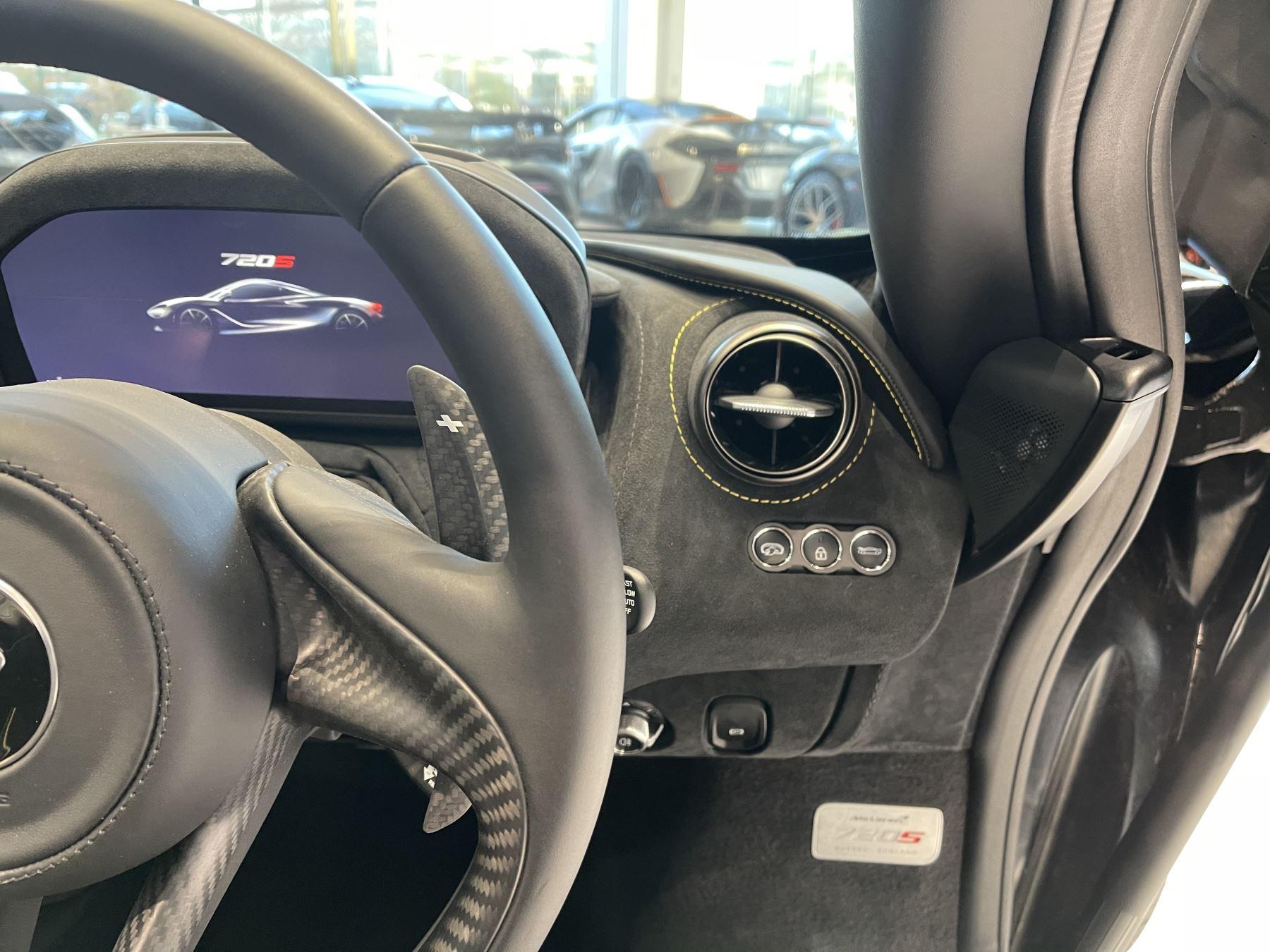 McLaren 720S Spider 4.V8 2 DR PERFORMANCE image 26