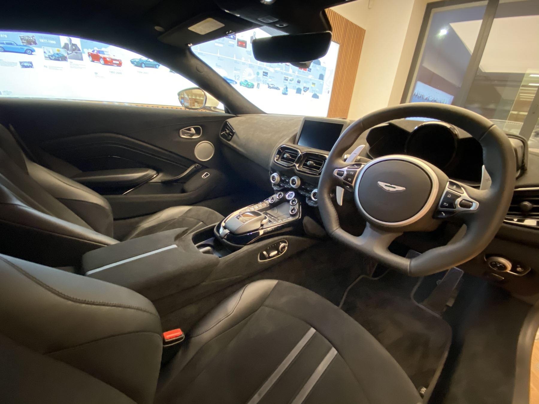 Aston Martin New Vantage 2dr ZF 8 Speed image 25