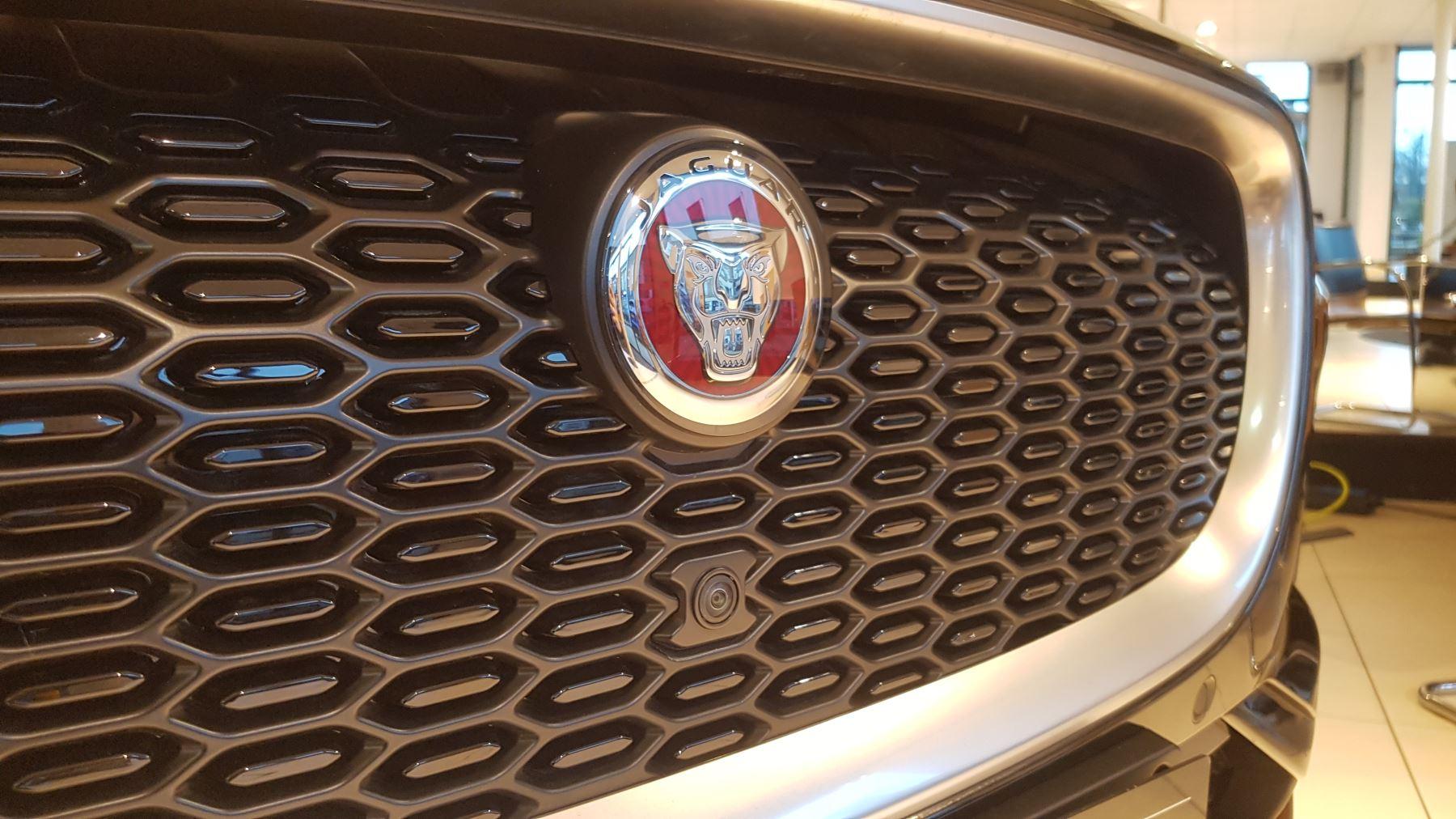 Jaguar I-PACE 90kWh EV400 HSE image 4