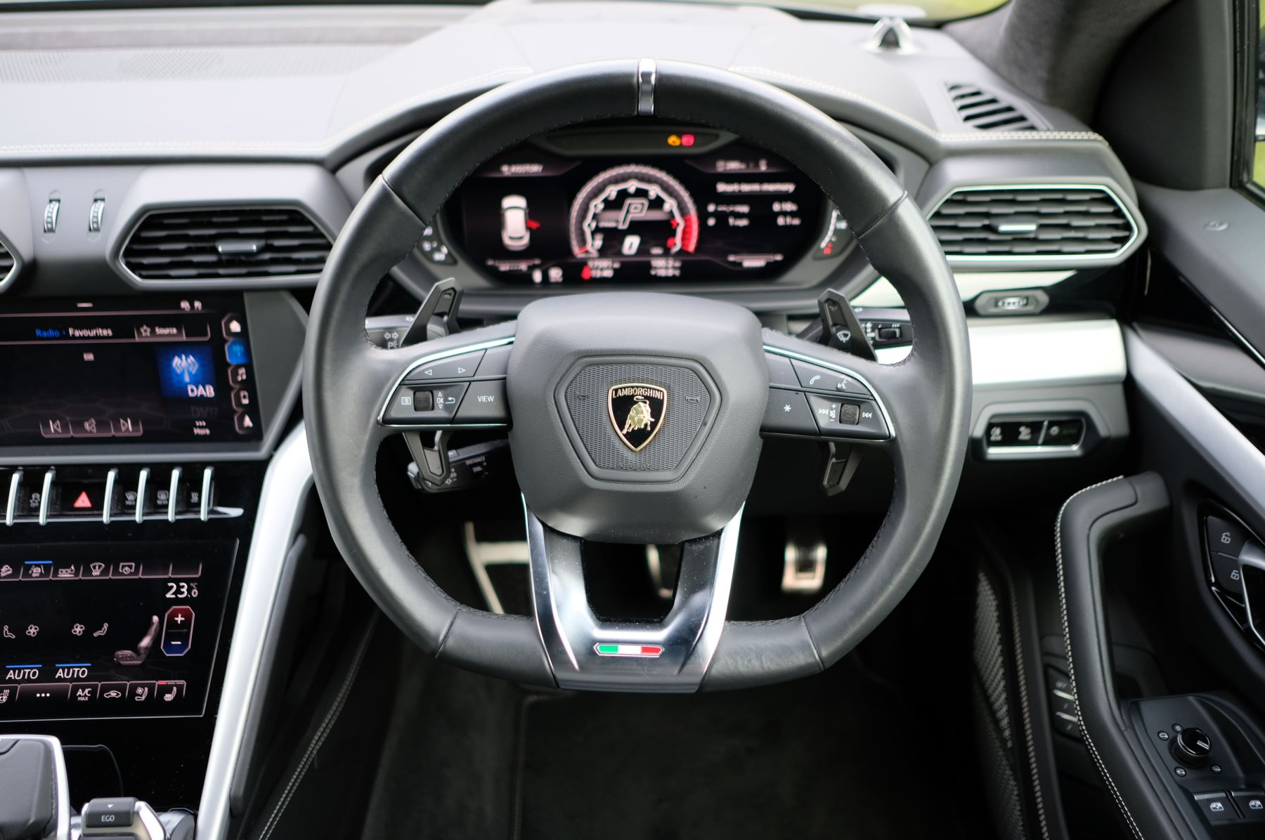 Lamborghini Urus 4.0T FSI V8 5dr image 15
