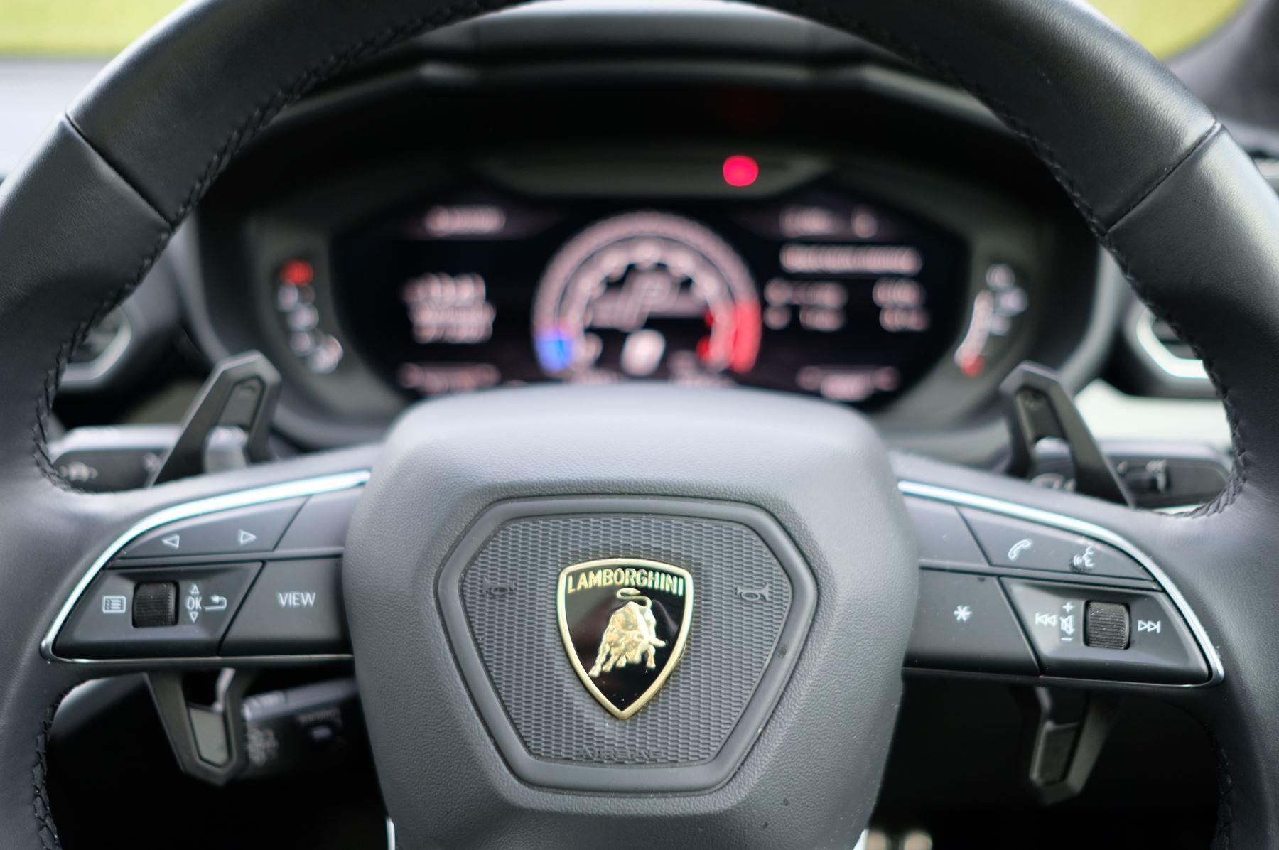Lamborghini Urus 4.0T FSI V8 5dr image 18