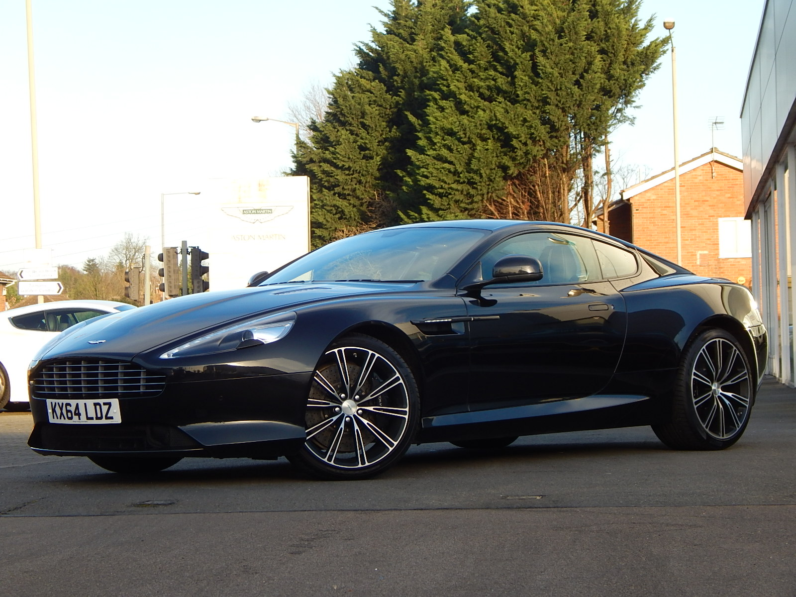 Aston Martin DB9 V12 2dr Touchtronic, Carbon Edition image 1