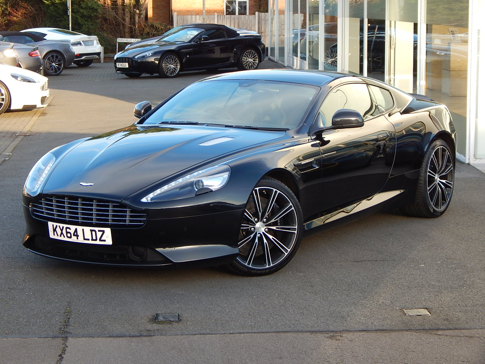 Aston Martin DB9 V12 2dr Touchtronic, Carbon Edition image 5