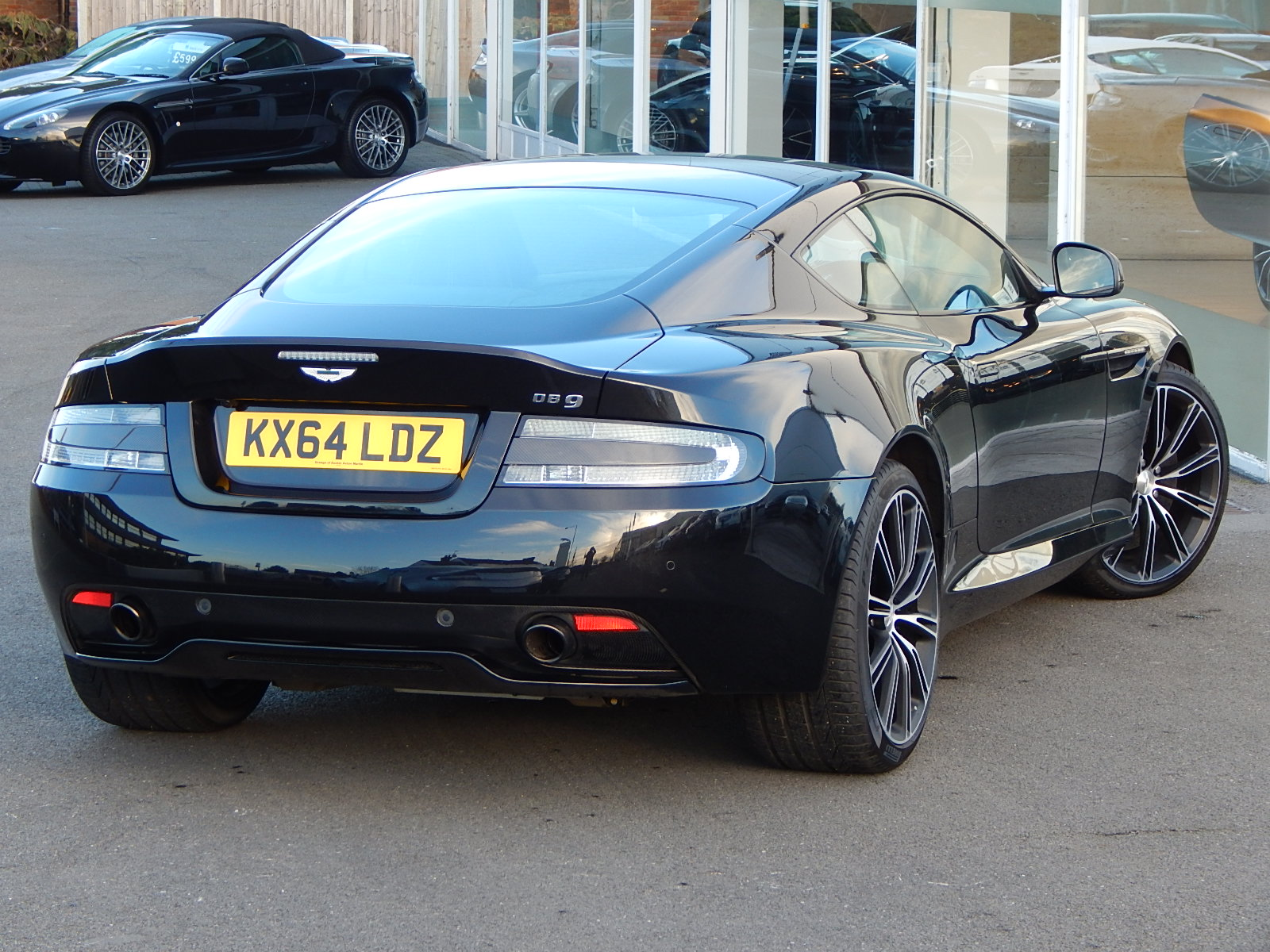 Aston Martin DB9 V12 2dr Touchtronic, Carbon Edition image 11