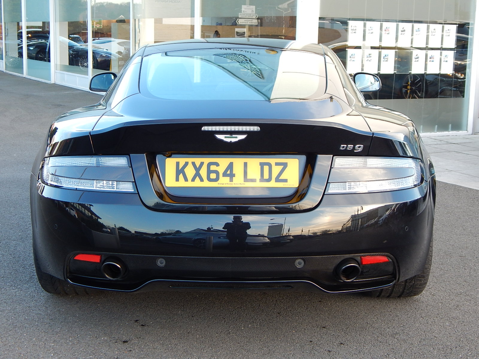 Aston Martin DB9 V12 2dr Touchtronic, Carbon Edition image 14