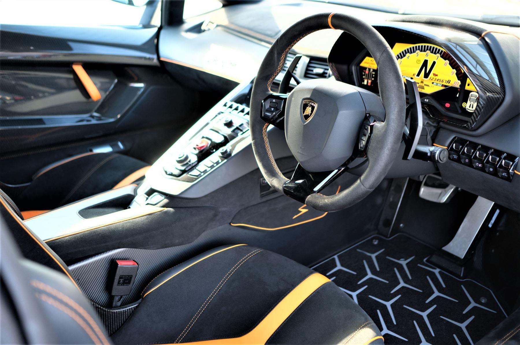 Lamborghini Aventador LP 750-4 Superveloce 2dr ISR image 13