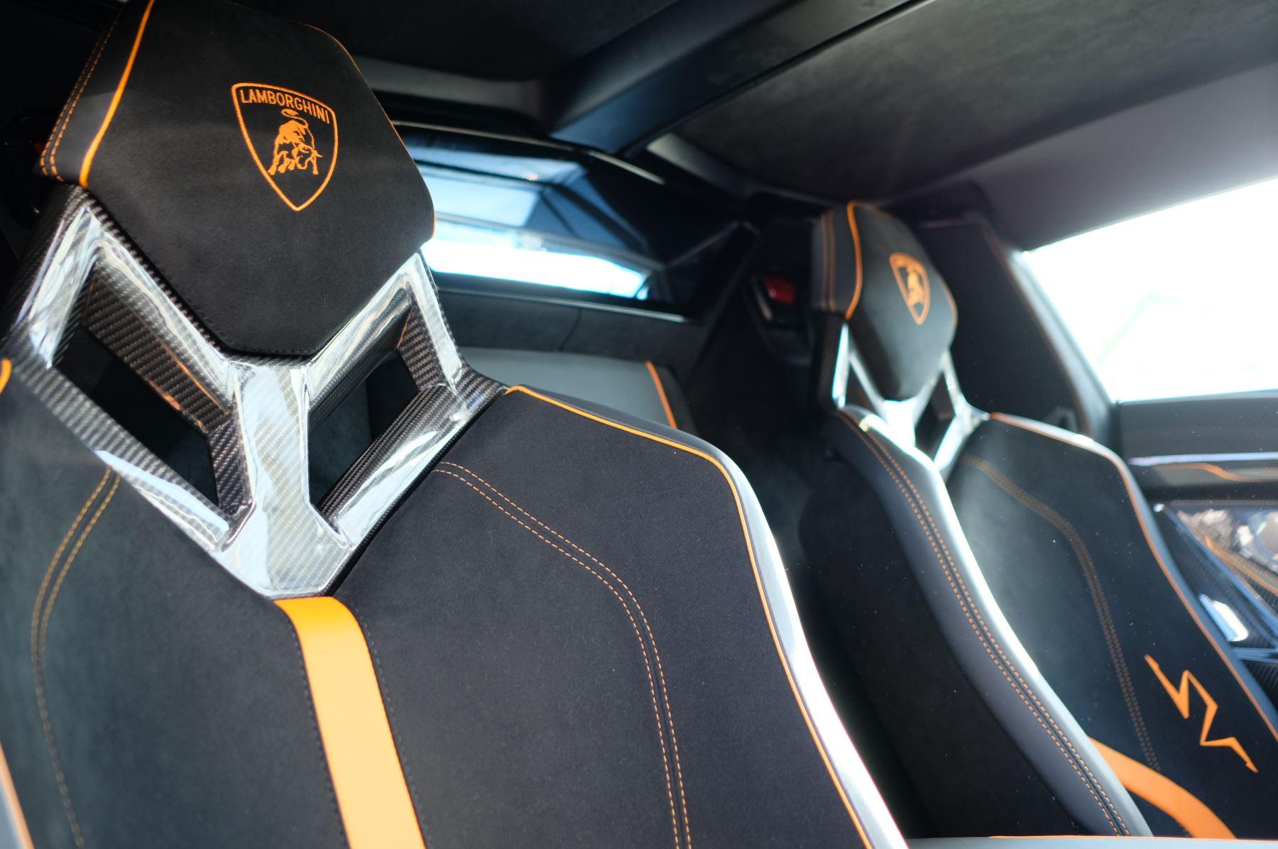 Lamborghini Aventador LP 750-4 Superveloce 2dr ISR image 23