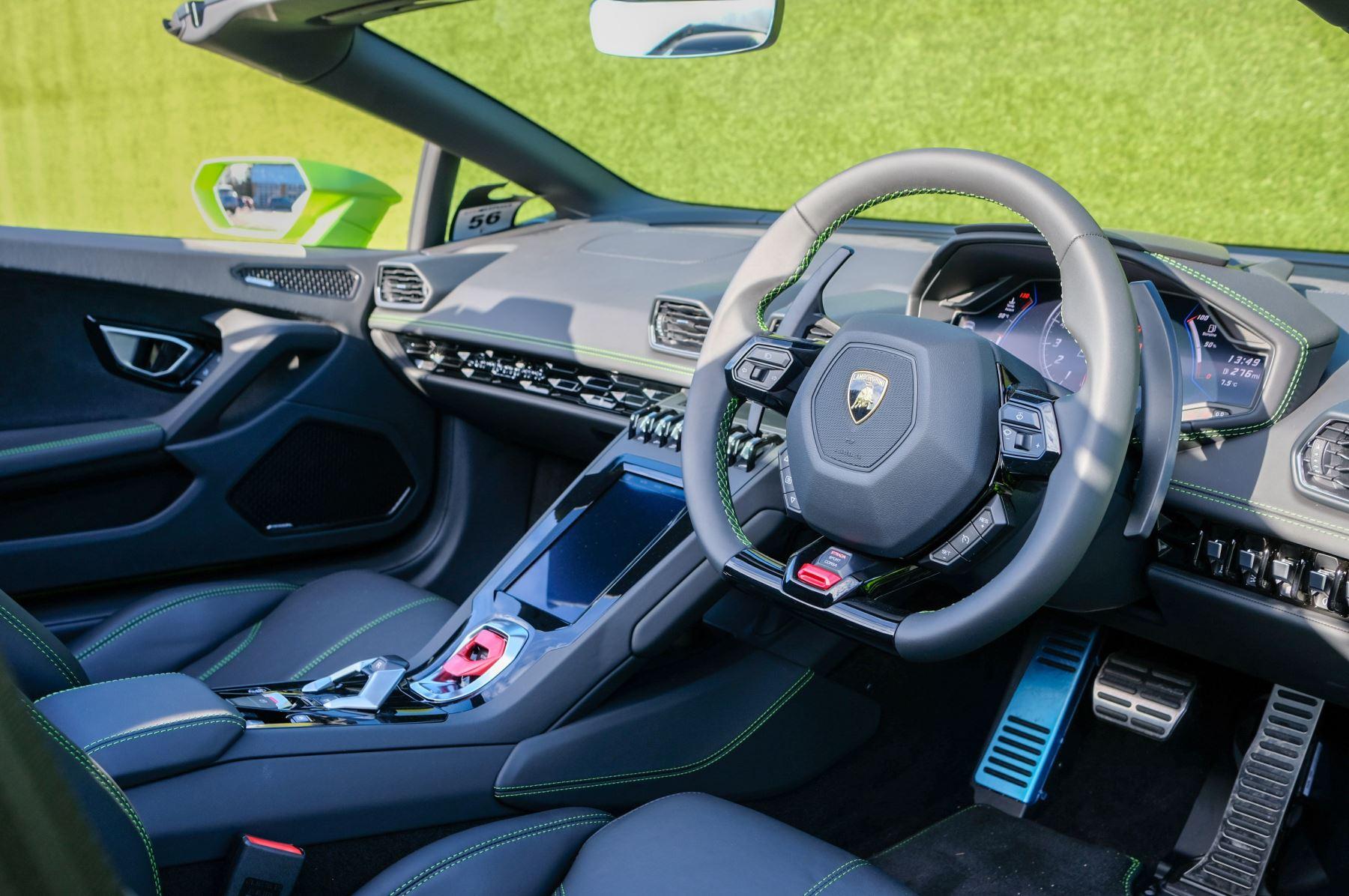 Lamborghini Huracan EVO Spyder 5.2 V10 610 2dr Auto image 12