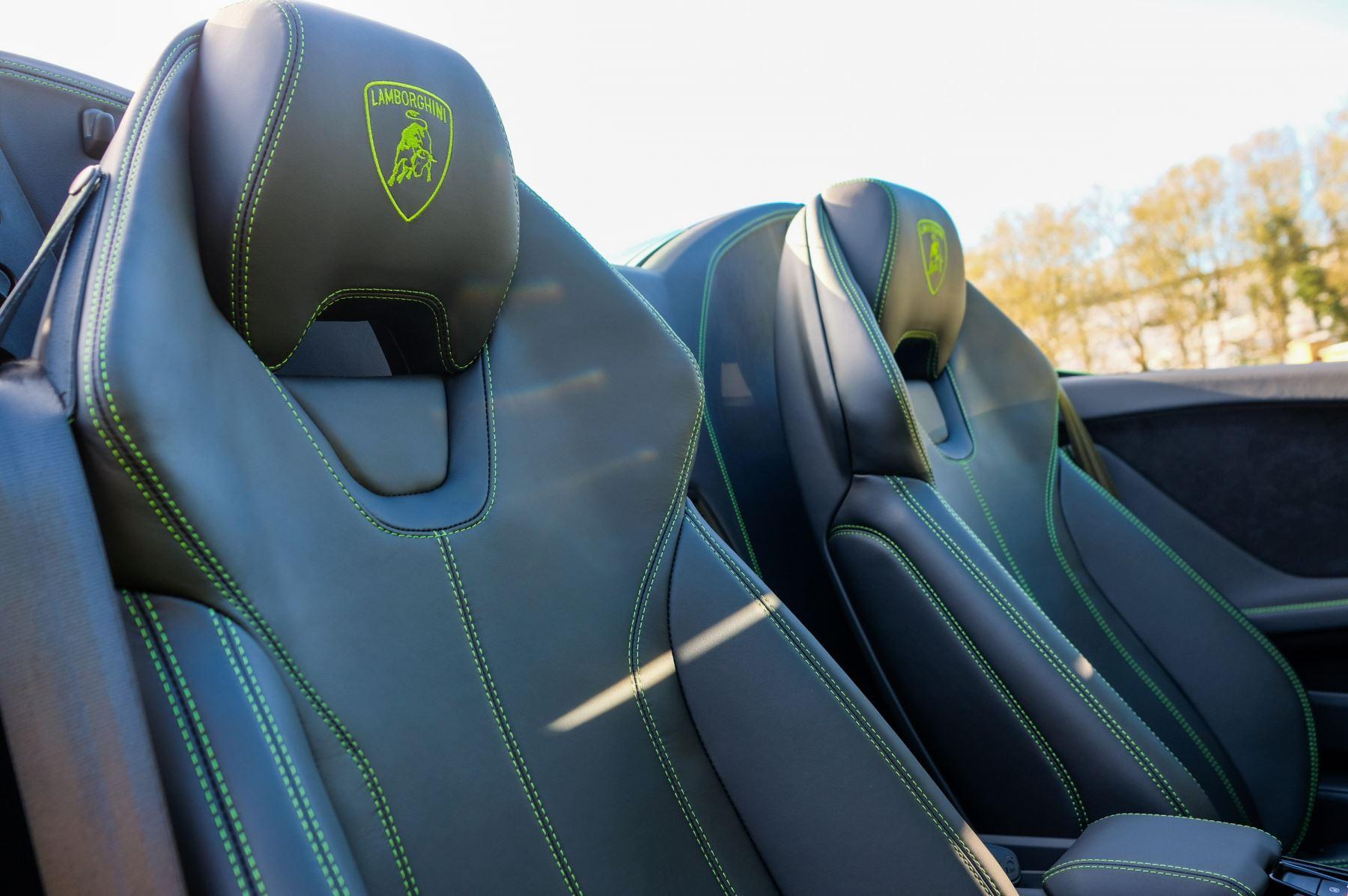 Lamborghini Huracan EVO Spyder 5.2 V10 610 2dr Auto image 13