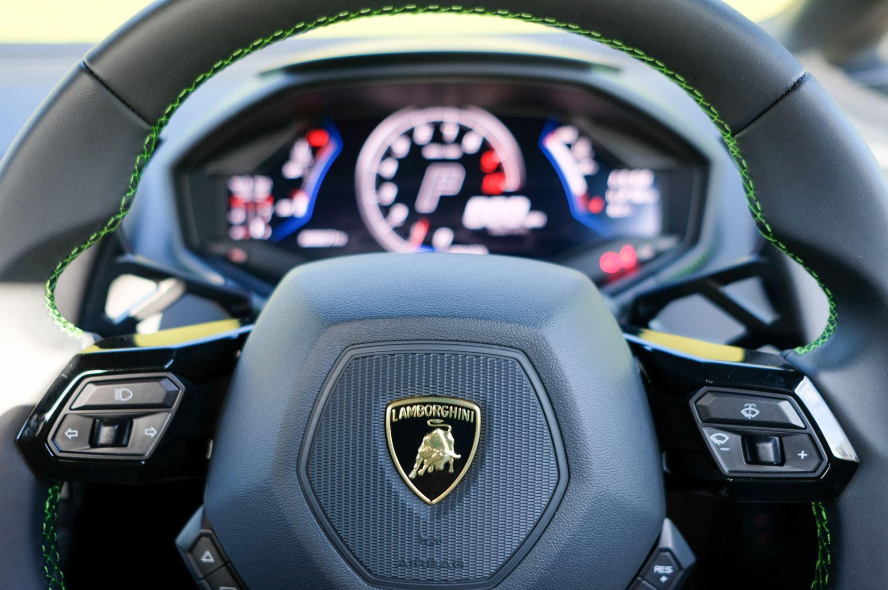 Lamborghini Huracan EVO Spyder 5.2 V10 610 2dr Auto image 14