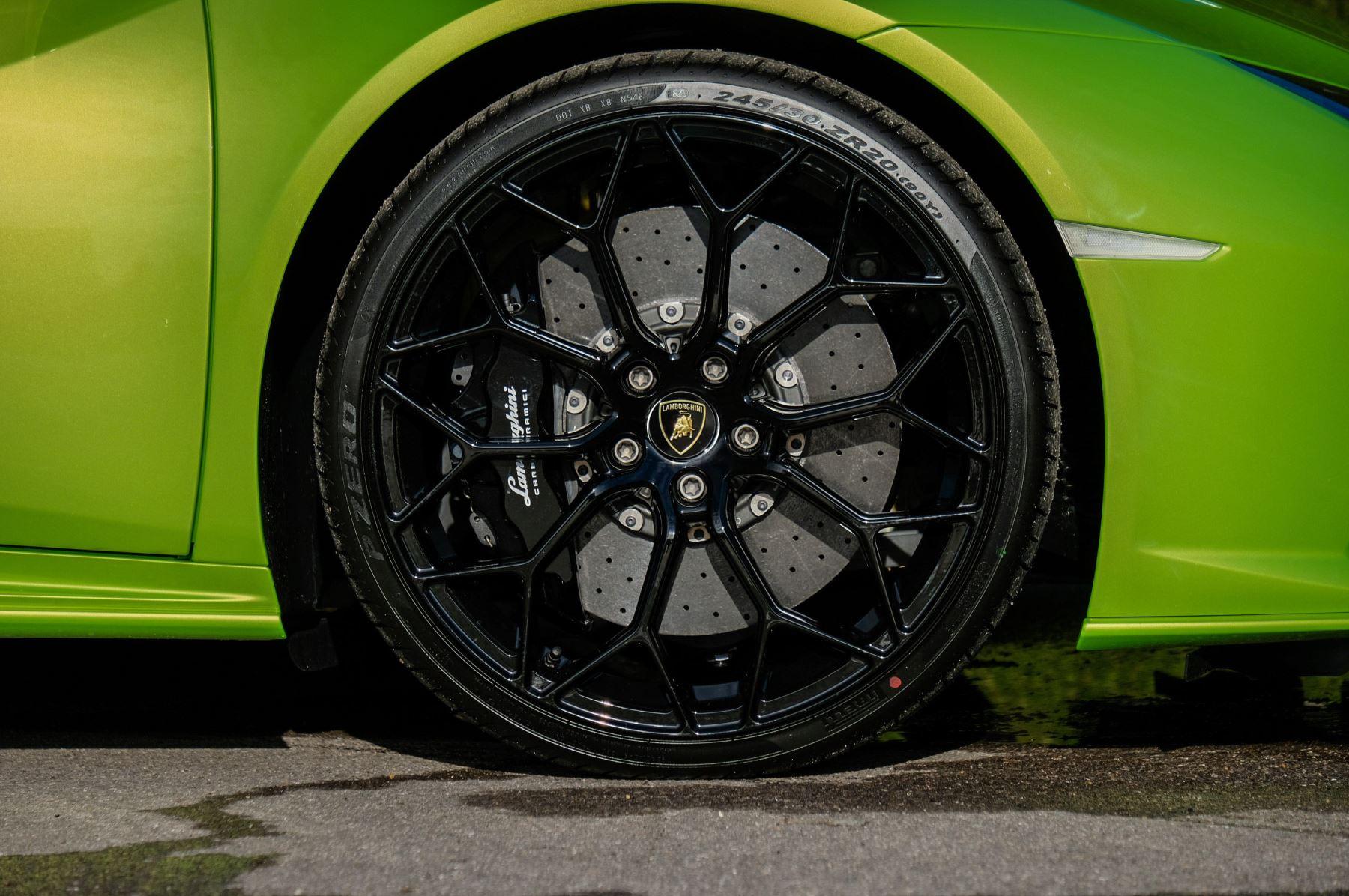 Lamborghini Huracan EVO Spyder 5.2 V10 610 2dr Auto image 9
