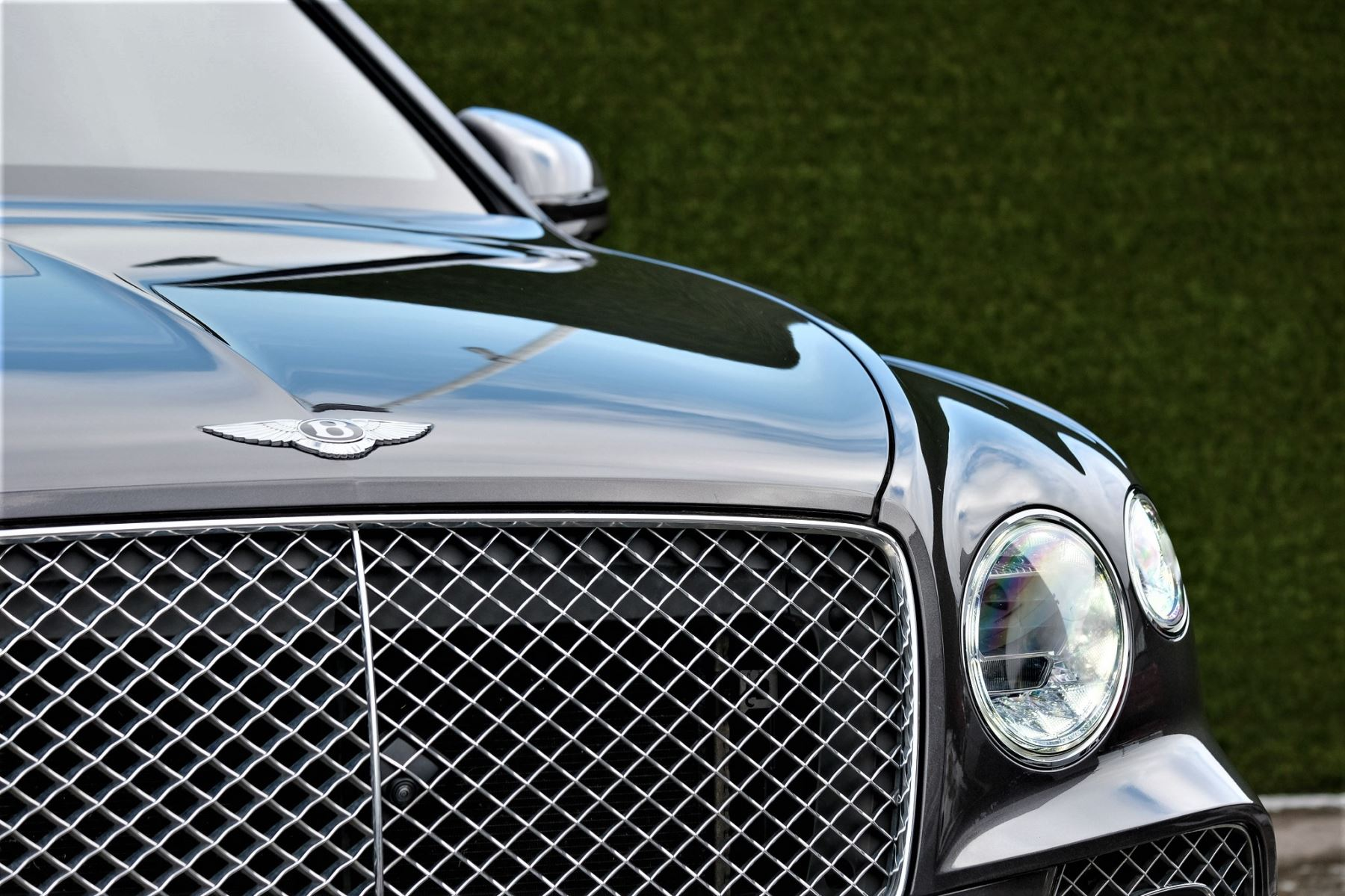 Bentley Bentayga First Edition 4.0 V8  image 8
